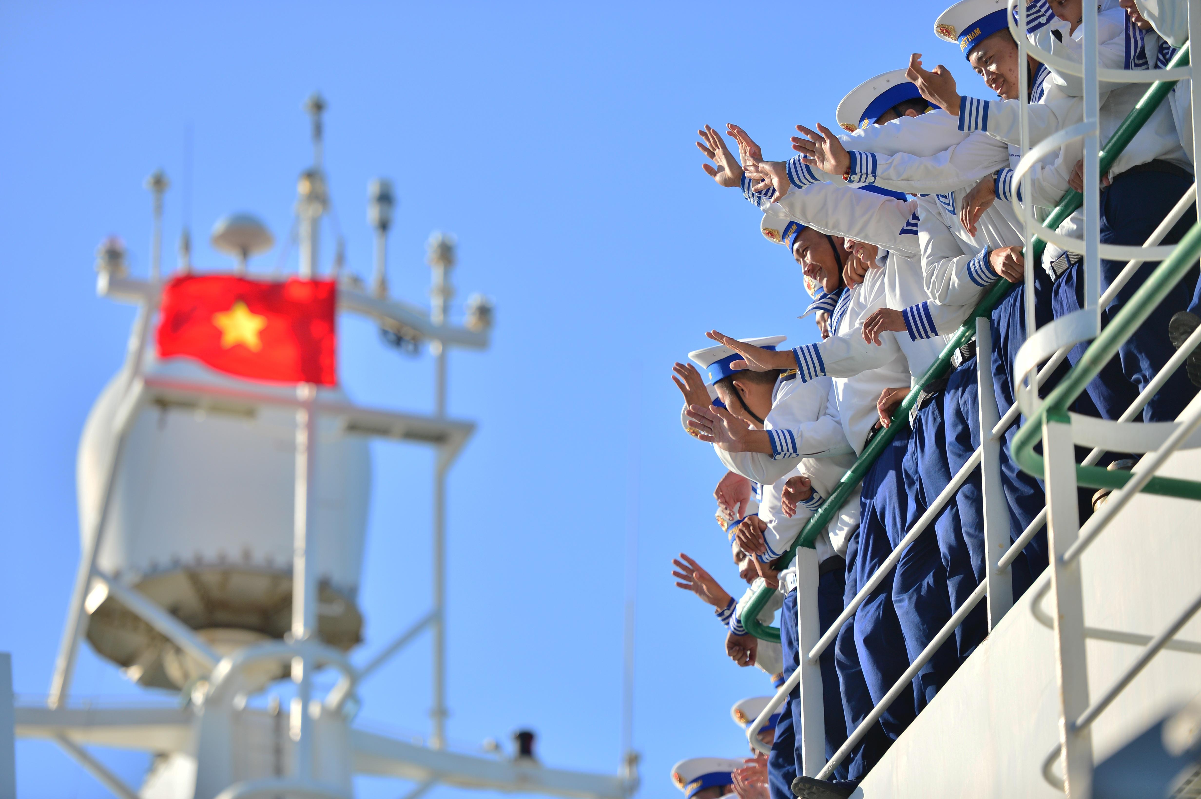 Xúc động lễ tiễn quân ra quần đảo Trường Sa làm nhiệm vụ - 15