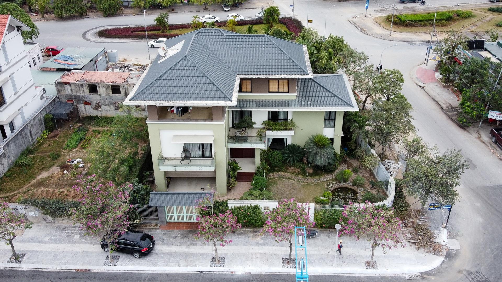 Mãn nhãn với loạt biệt thự xanh tại phố nhà giàu  ven biển Hạ Long - 17
