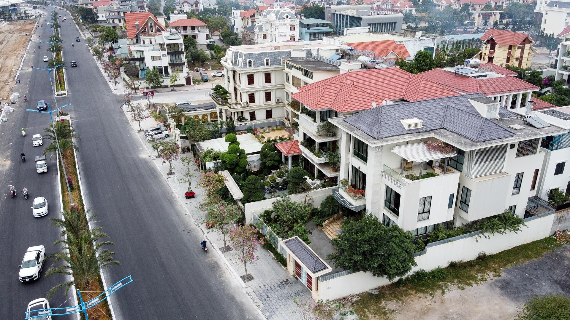Mãn nhãn với loạt biệt thự xanh tại phố nhà giàu  ven biển Hạ Long - 15