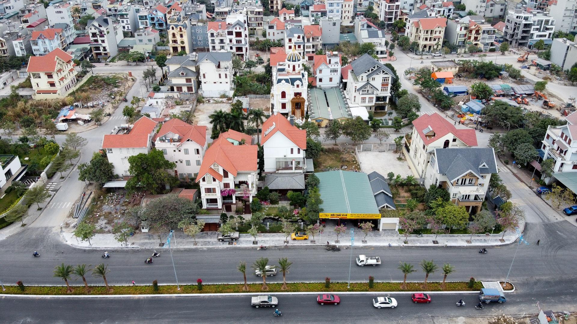 Mãn nhãn với loạt biệt thự xanh tại phố nhà giàu  ven biển Hạ Long - 2