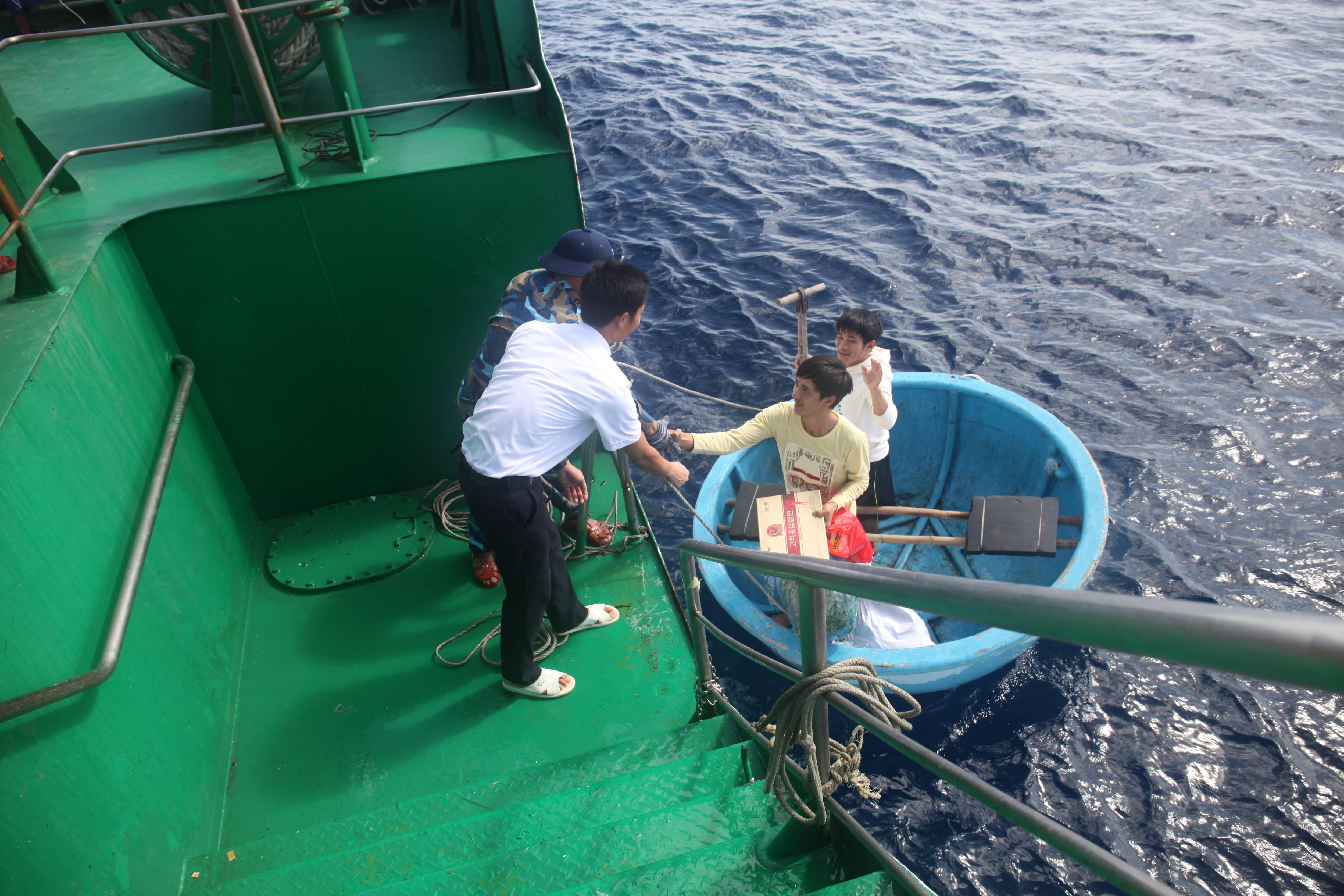Điểm tựa cho ngư dân bám biển, gìn giữ máu thịt của đất mẹ Việt Nam - 5