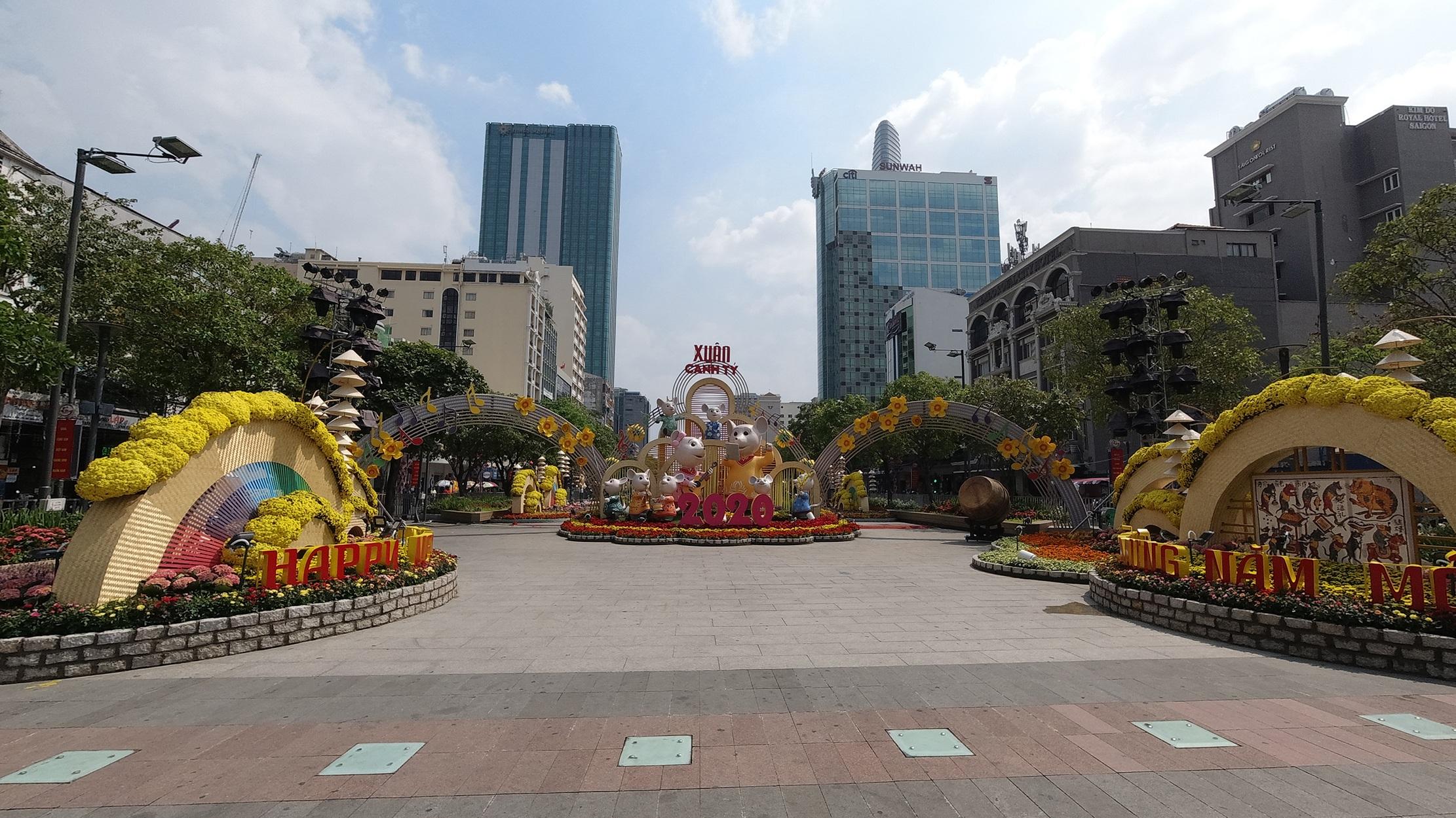 Mãn nhãn ngắm đường hoa Nguyễn Huệ trước giờ G - 13