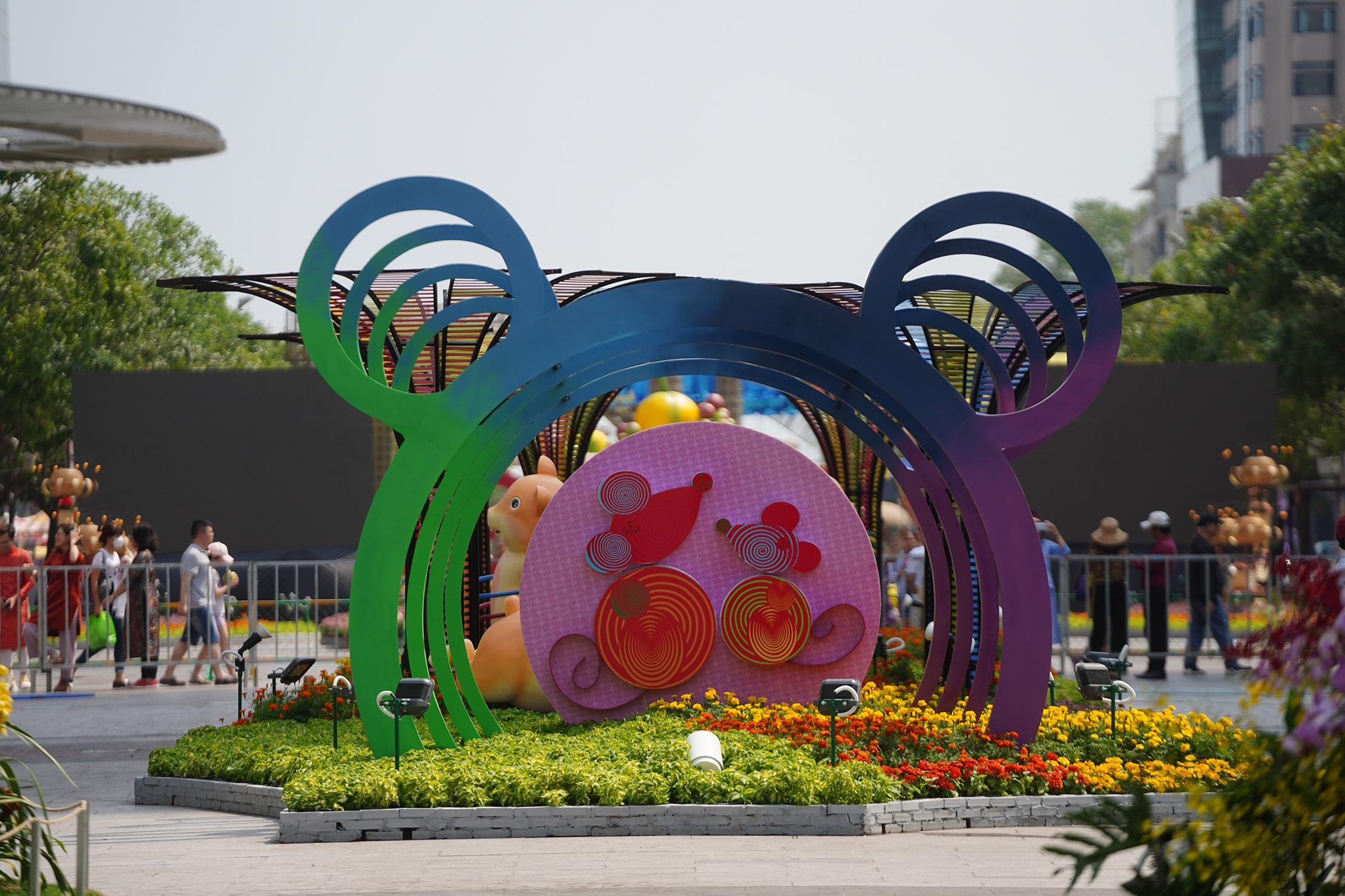 Mãn nhãn ngắm đường hoa Nguyễn Huệ trước giờ G - 21