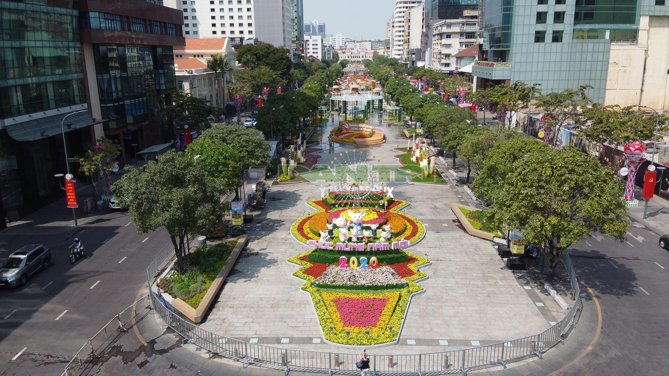 Mãn nhãn ngắm đường hoa Nguyễn Huệ trước giờ G - 15