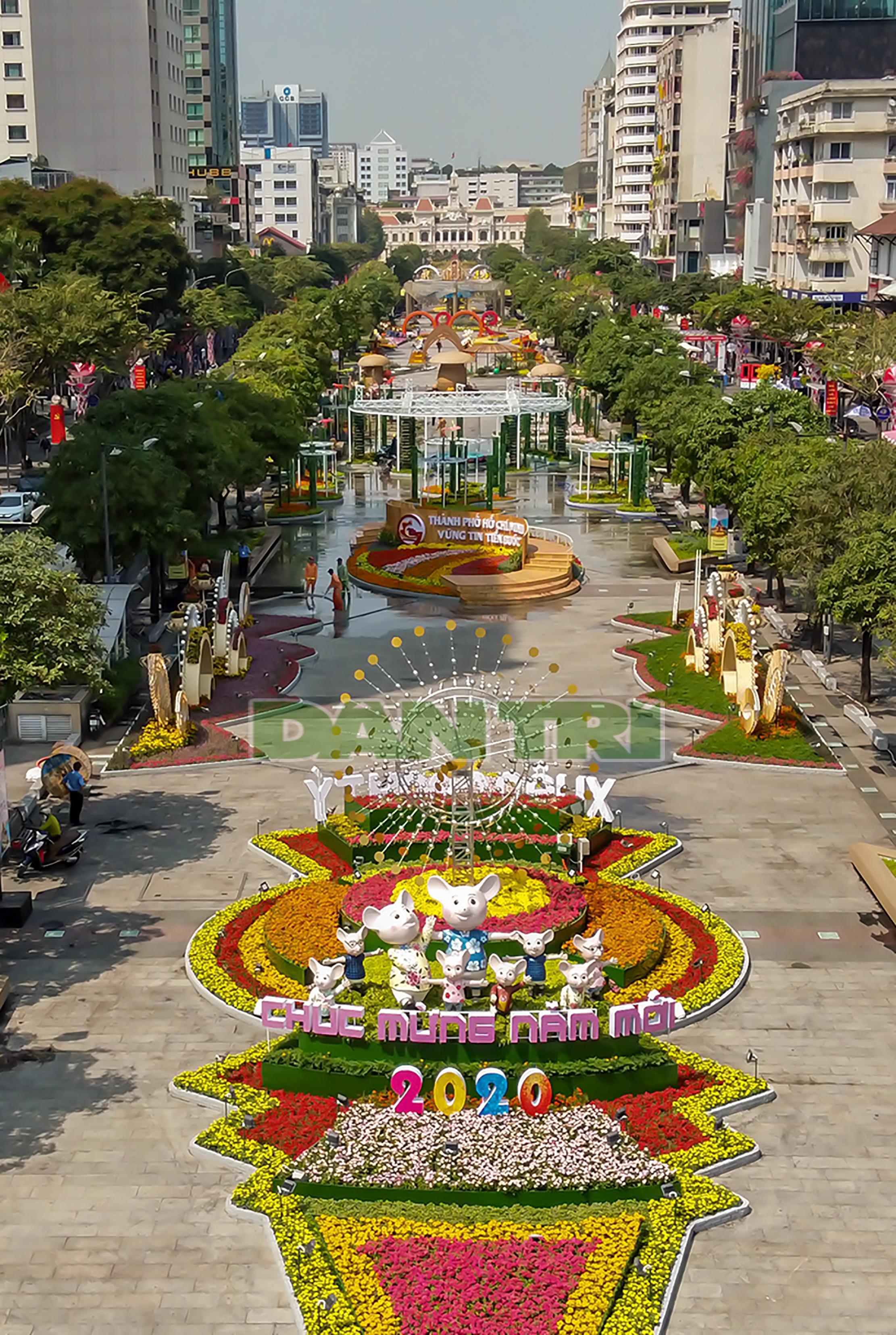 Mãn nhãn ngắm đường hoa Nguyễn Huệ trước giờ G - 16