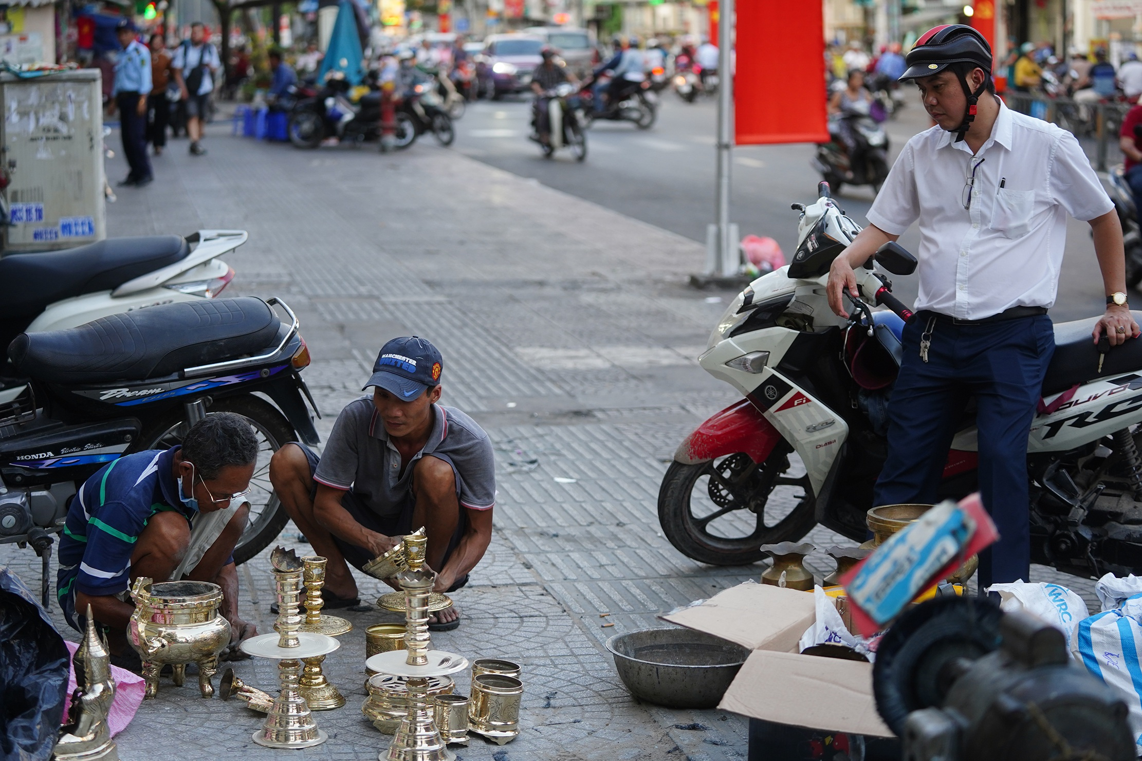 Đệ nhất cao thủ đánh bóng lư đồng Sài Gòn - 25