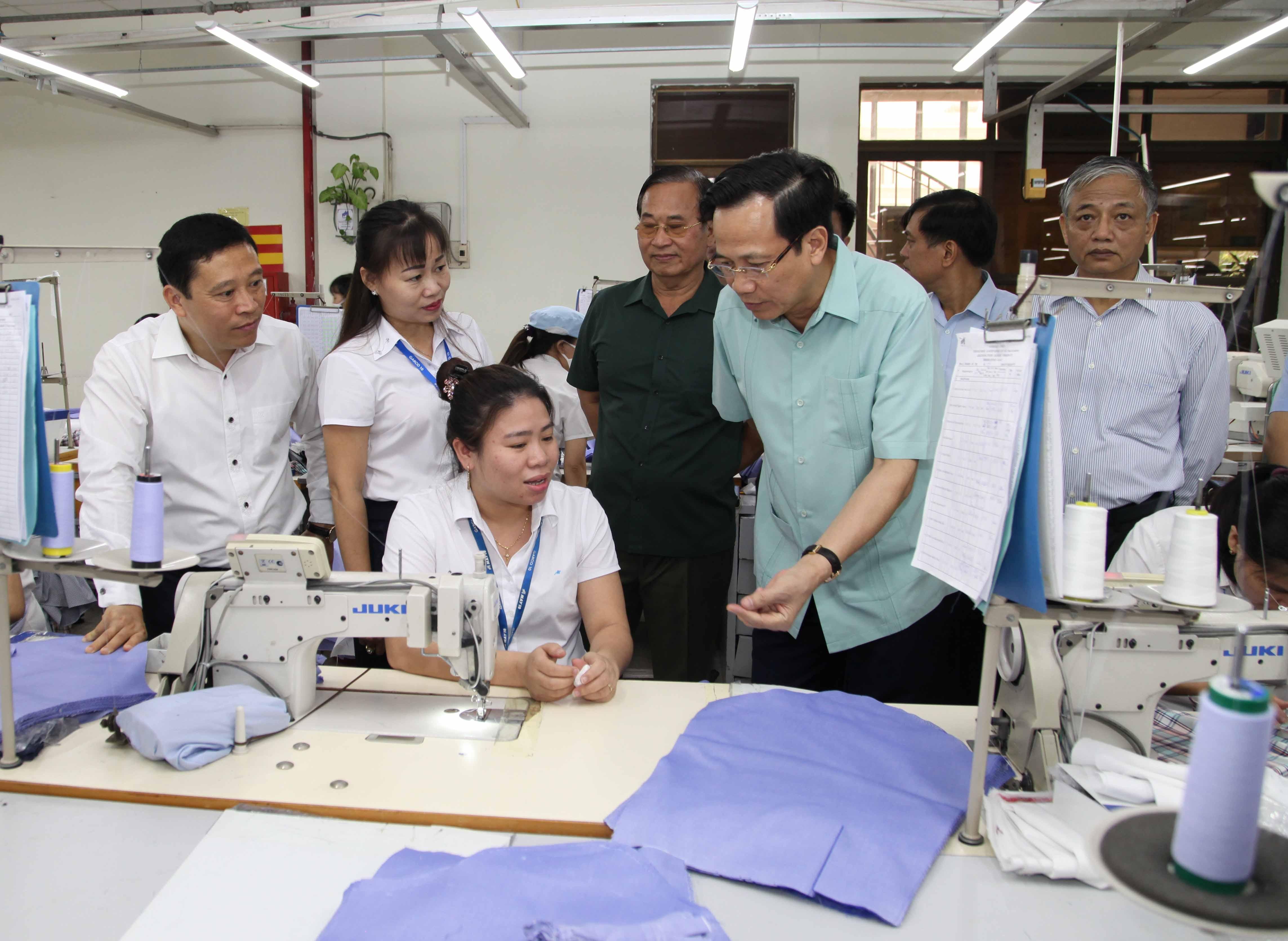 Bộ trưởng Đào Ngọc Dung: Khó khăn nhất khi đề xuất tăng tuổi hưu - 3