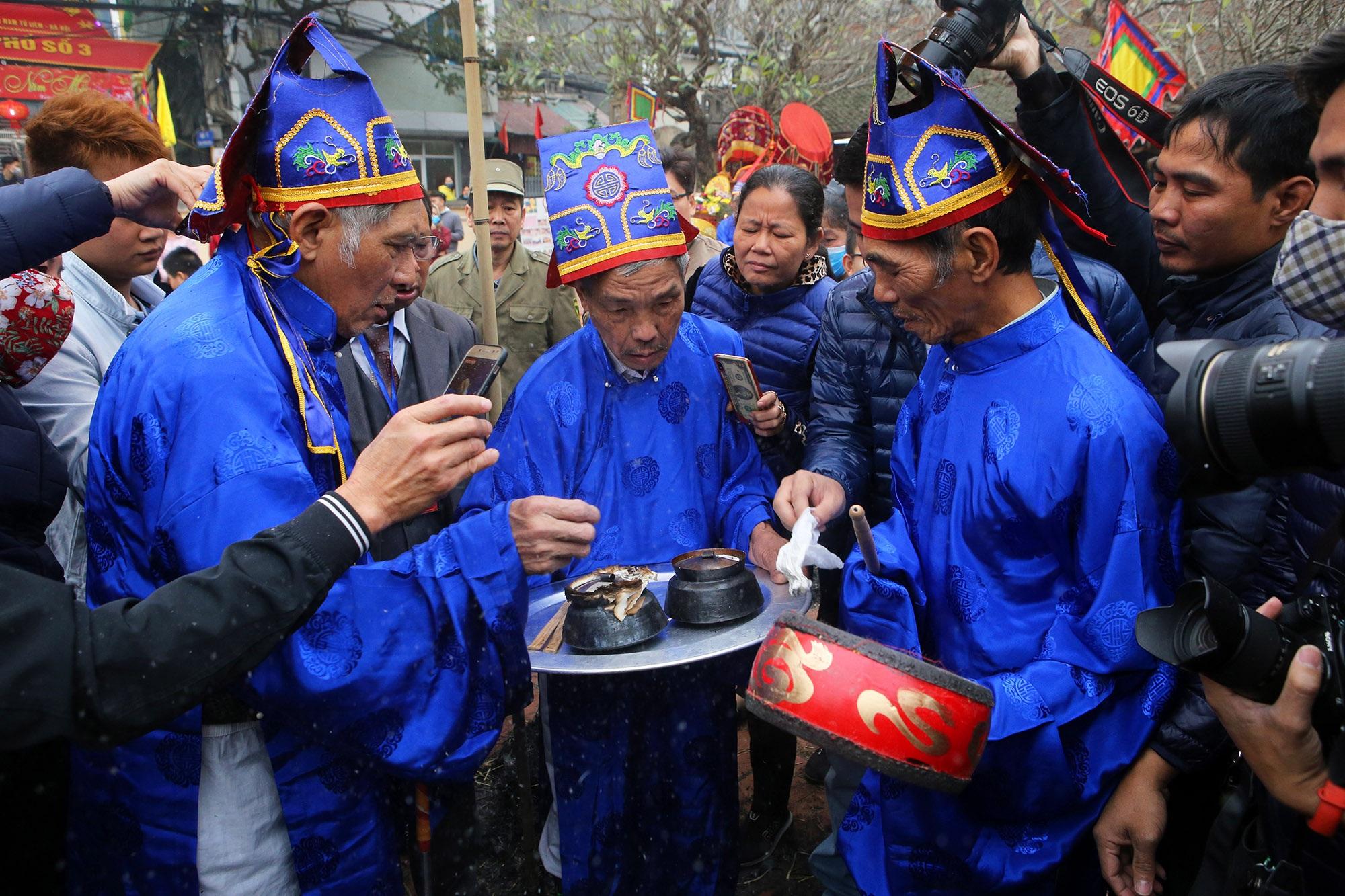 Hình ảnh đặc biệt trong lễ thổi cơm cổ xưa ít phút trước lệnh cấm vì virus corona - 13