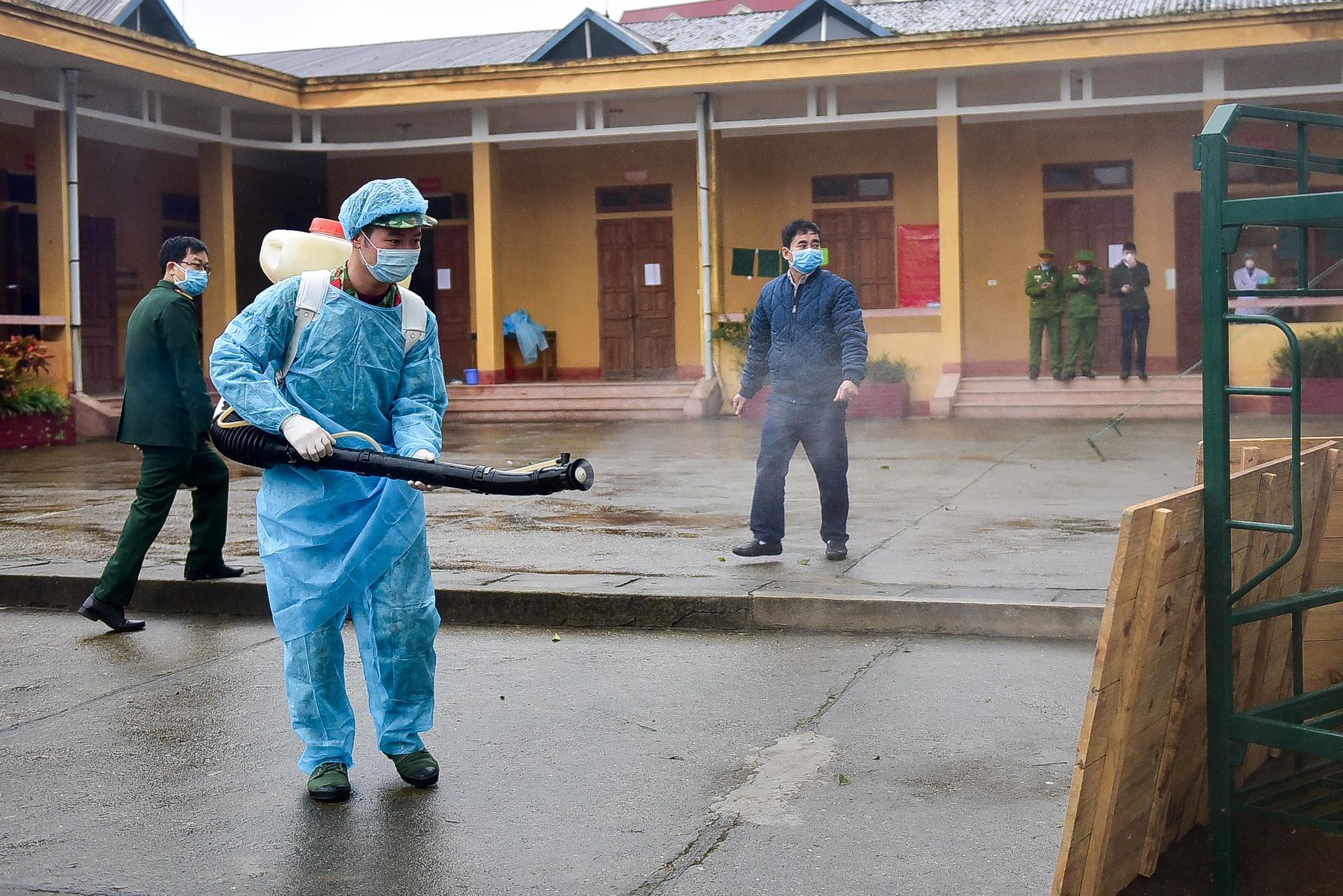 Bên trong khu cách ly 260 công dân Việt Nam tại doanh trại quân đội - 19