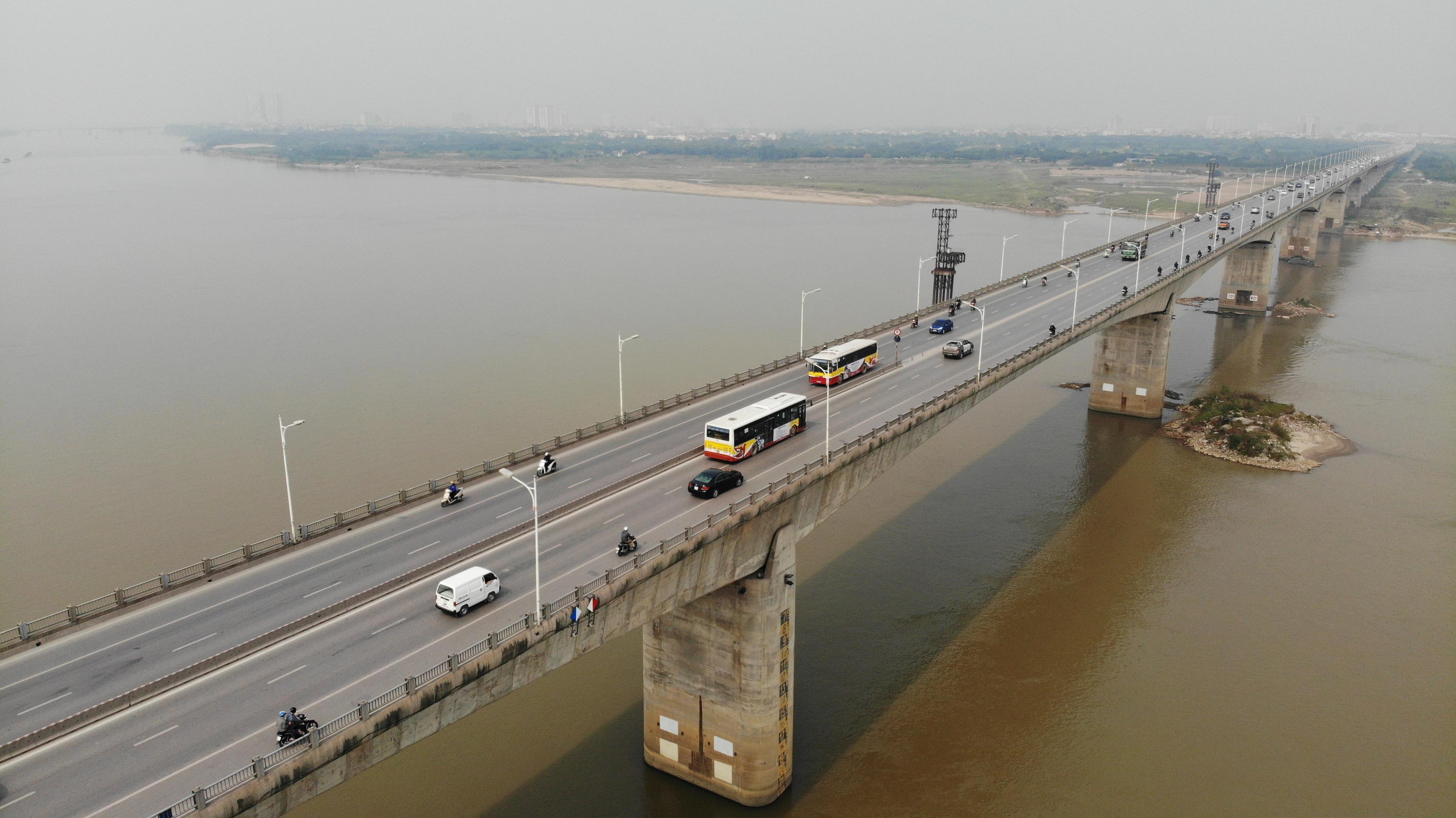 Toàn cảnh giao thông cầu Vĩnh Tuy trước khi xây cầu Vĩnh Tuy 2 - 16