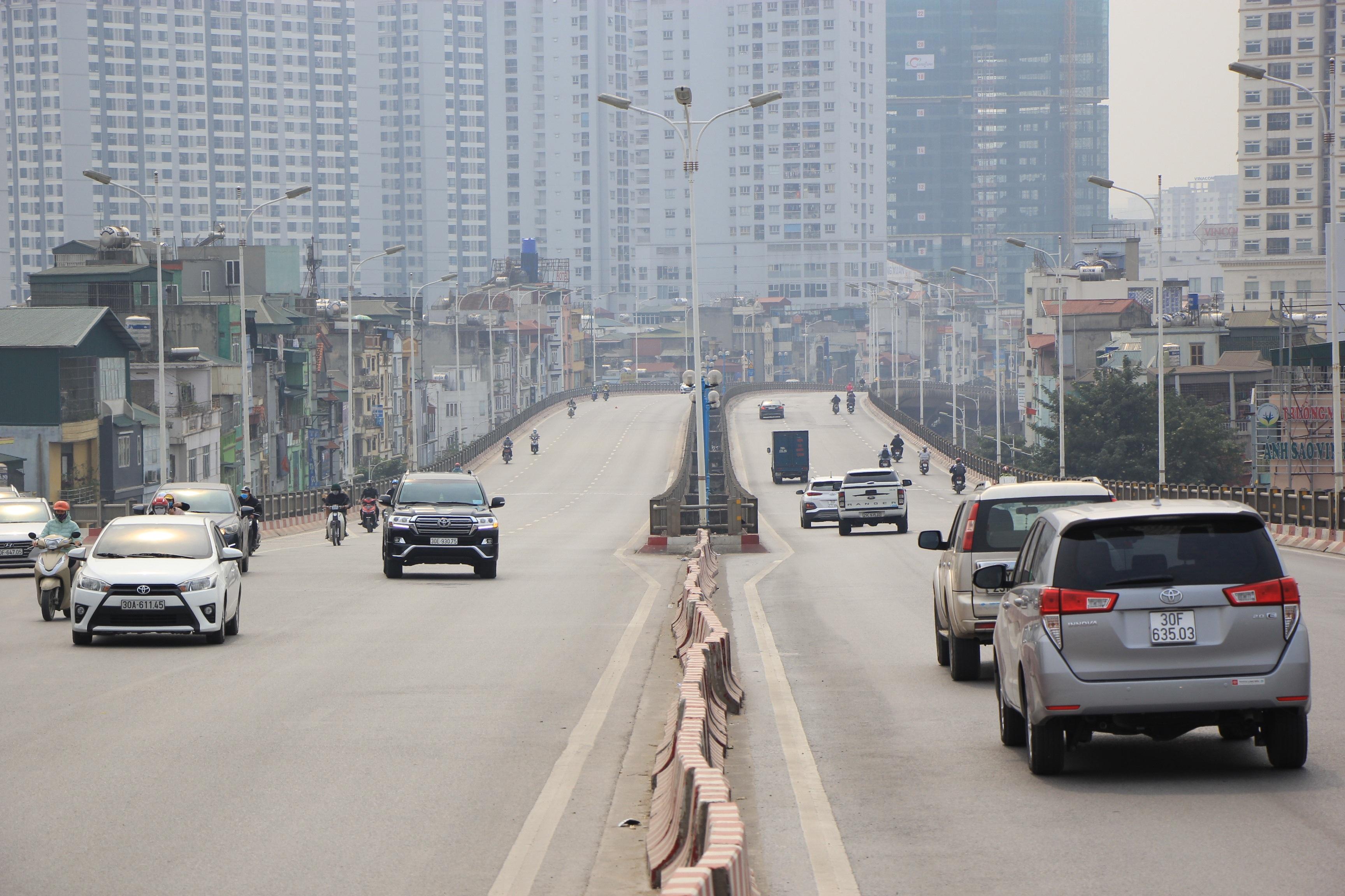 Toàn cảnh giao thông cầu Vĩnh Tuy trước khi xây cầu Vĩnh Tuy 2 - 15