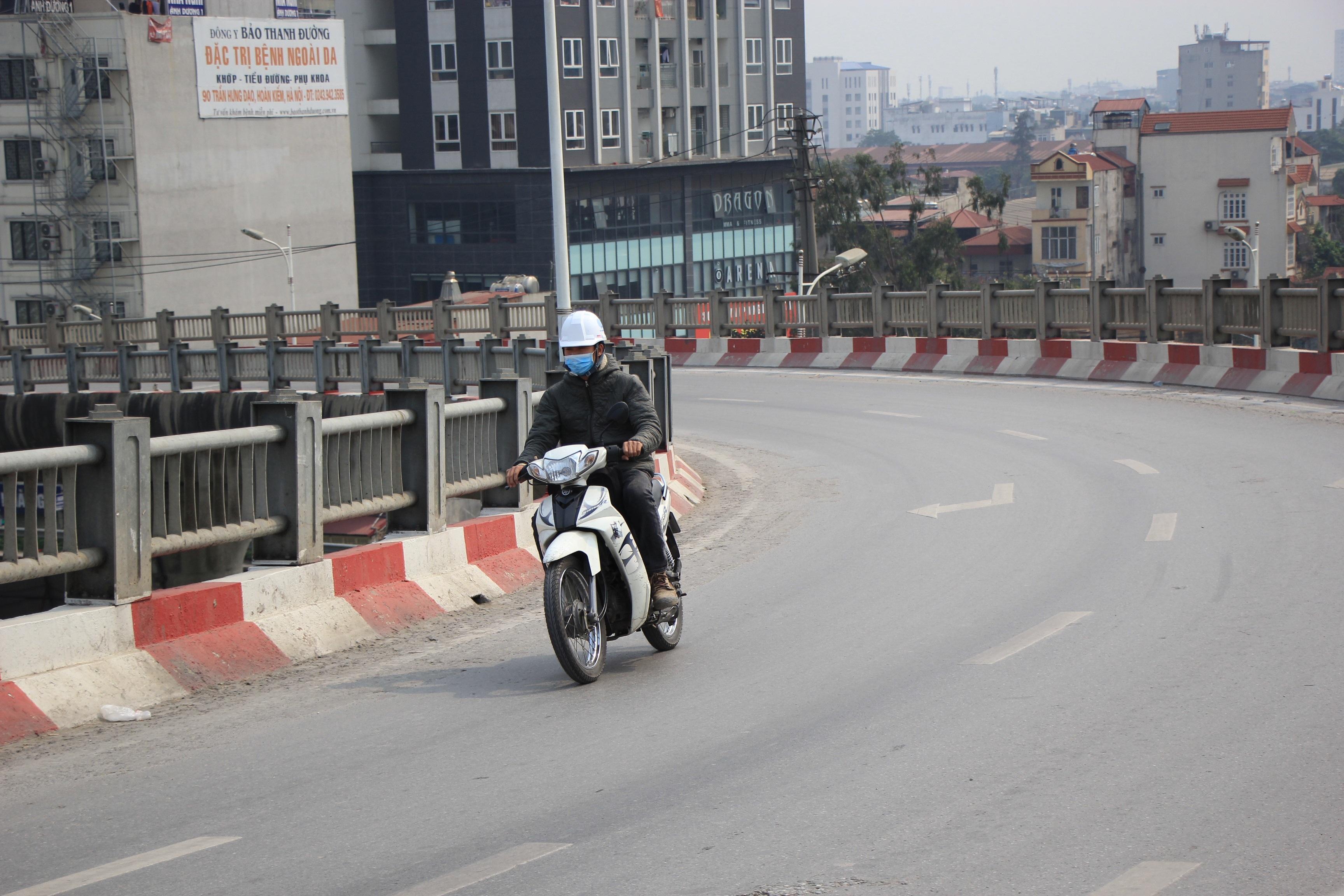 Toàn cảnh giao thông cầu Vĩnh Tuy trước khi xây cầu Vĩnh Tuy 2 - 14
