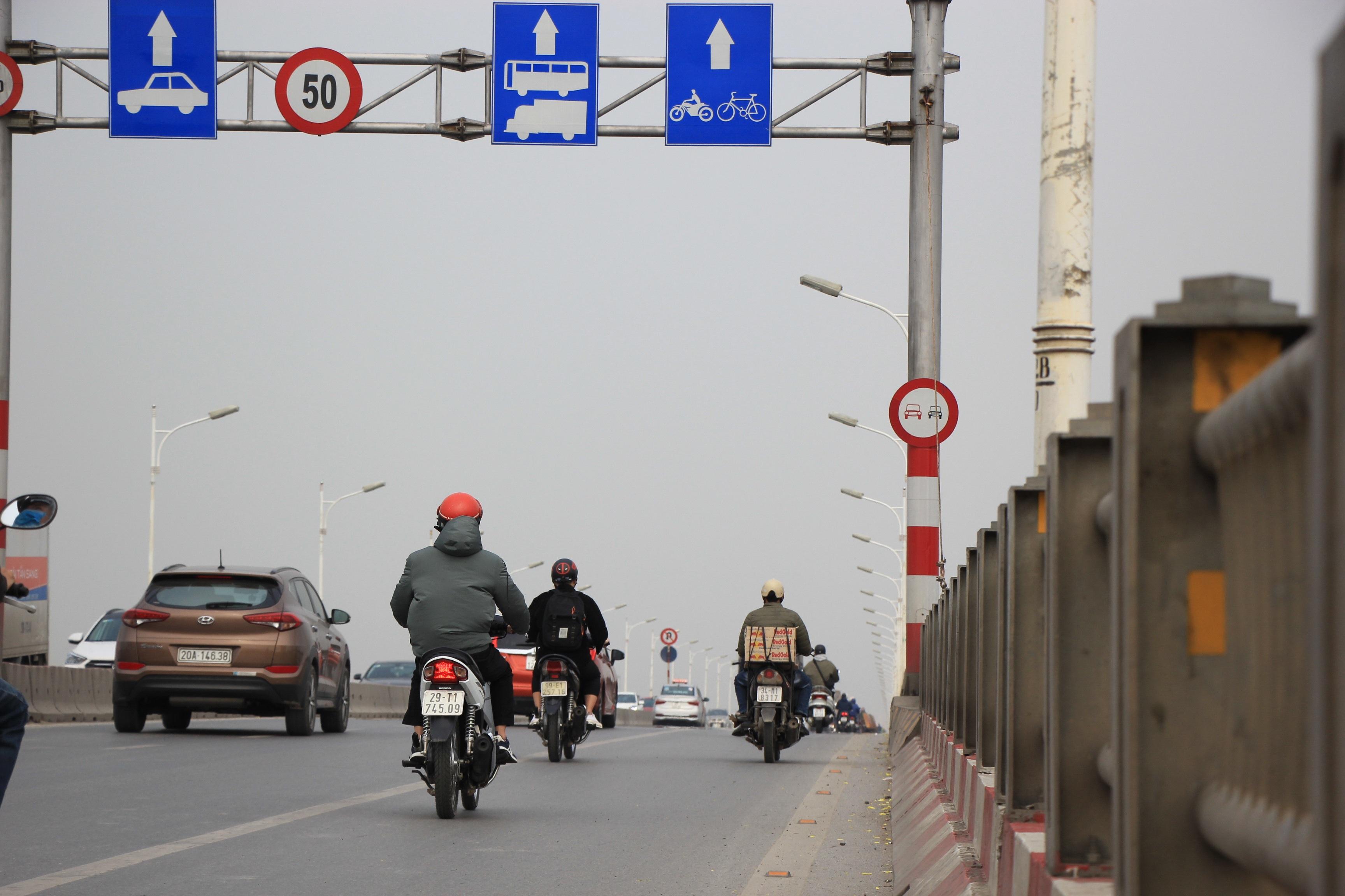 Toàn cảnh giao thông cầu Vĩnh Tuy trước khi xây cầu Vĩnh Tuy 2 - 13