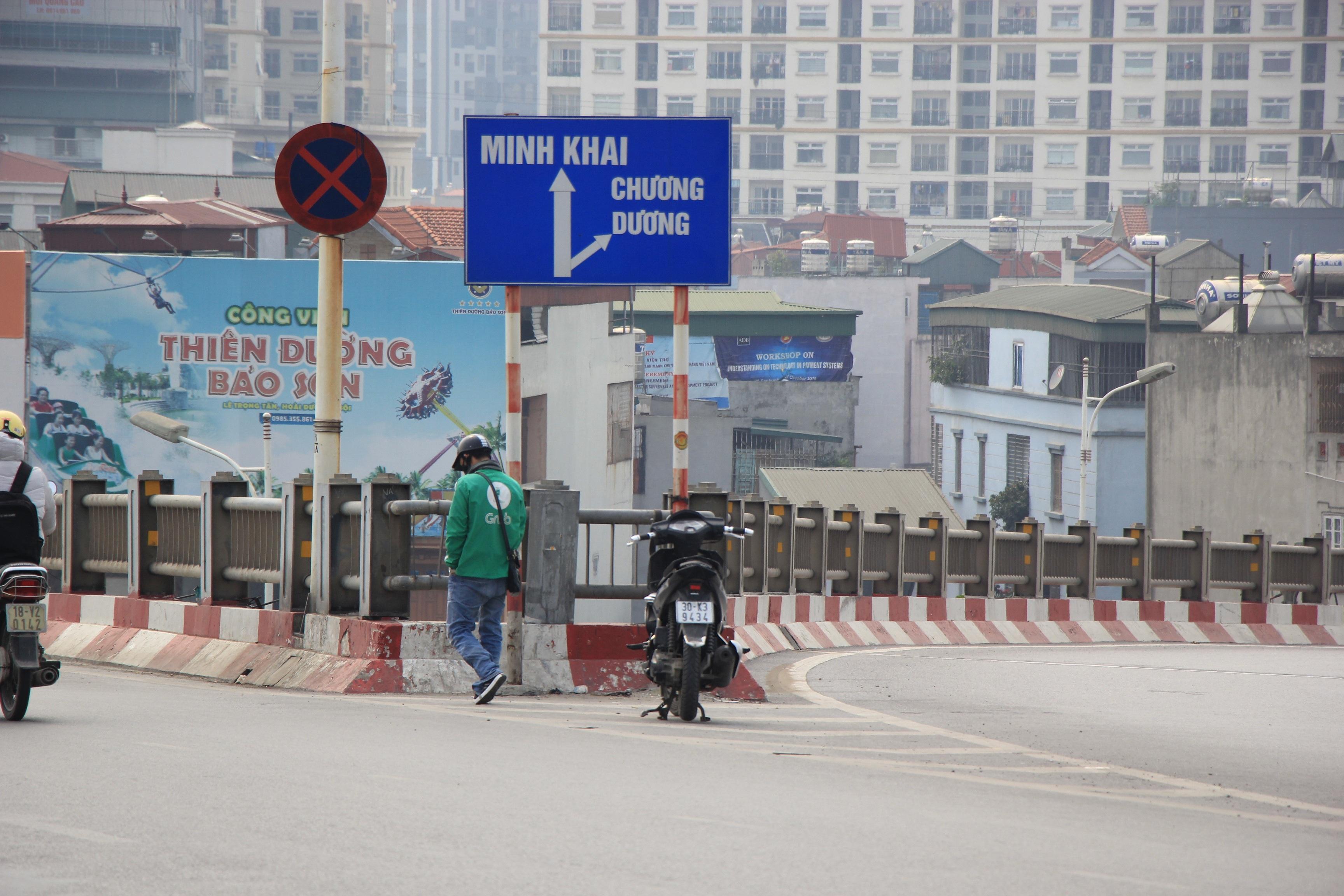 Toàn cảnh giao thông cầu Vĩnh Tuy trước khi xây cầu Vĩnh Tuy 2 - 11