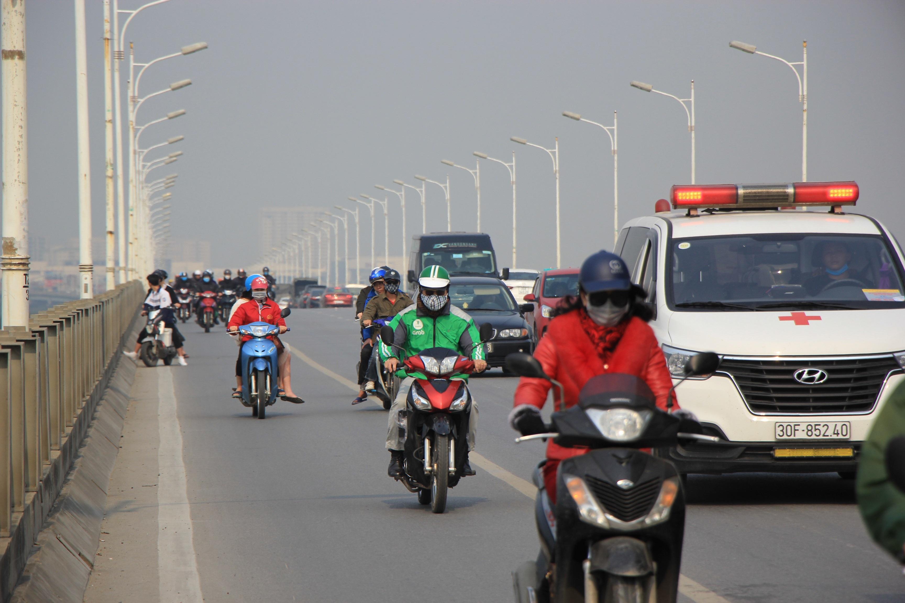 Toàn cảnh giao thông cầu Vĩnh Tuy trước khi xây cầu Vĩnh Tuy 2 - 12