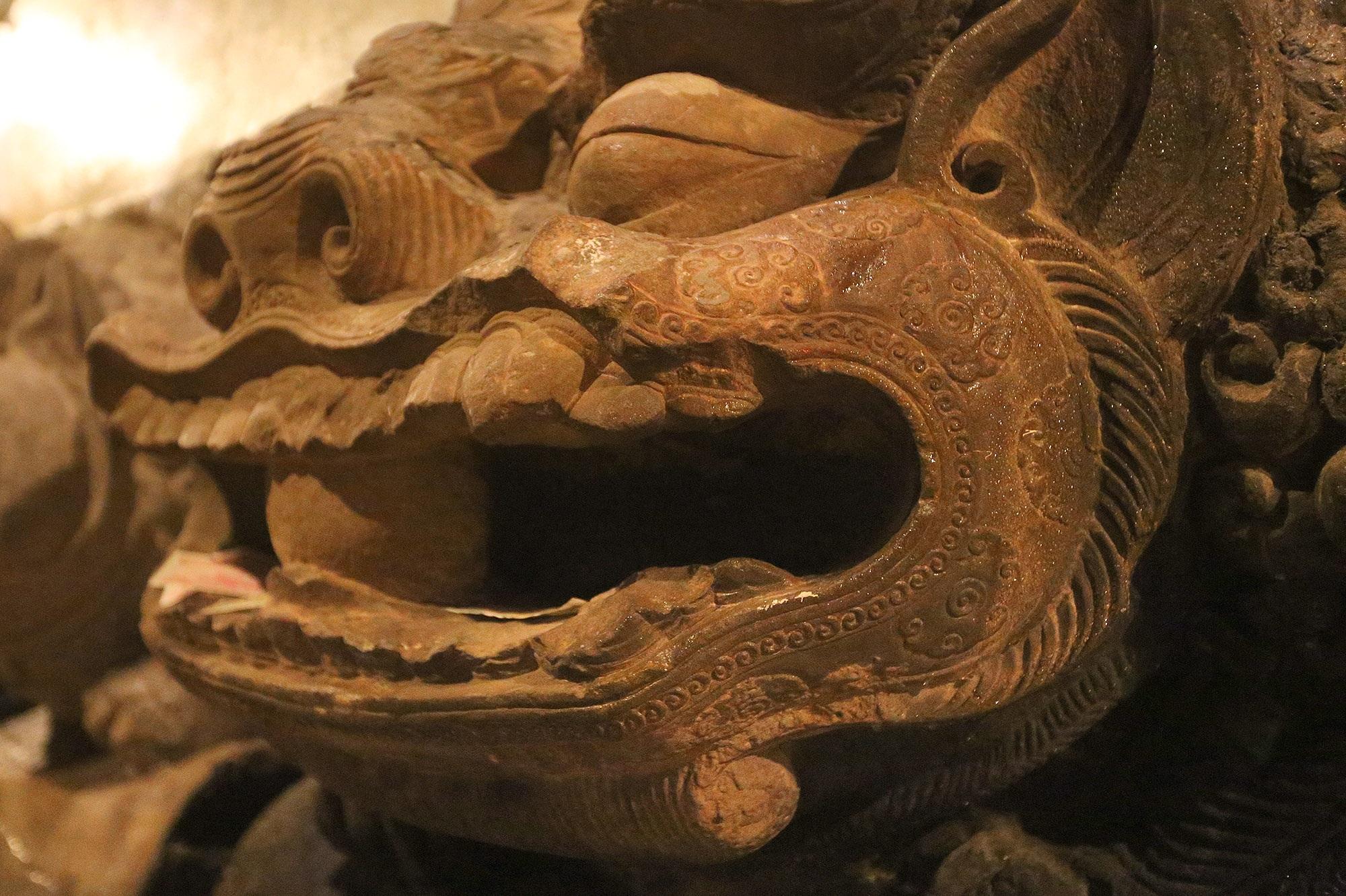 Bảo vật quốc gia: Tượng đôi sư tử đá và Khám thờ gỗ sơn son thếp vàng - 6
