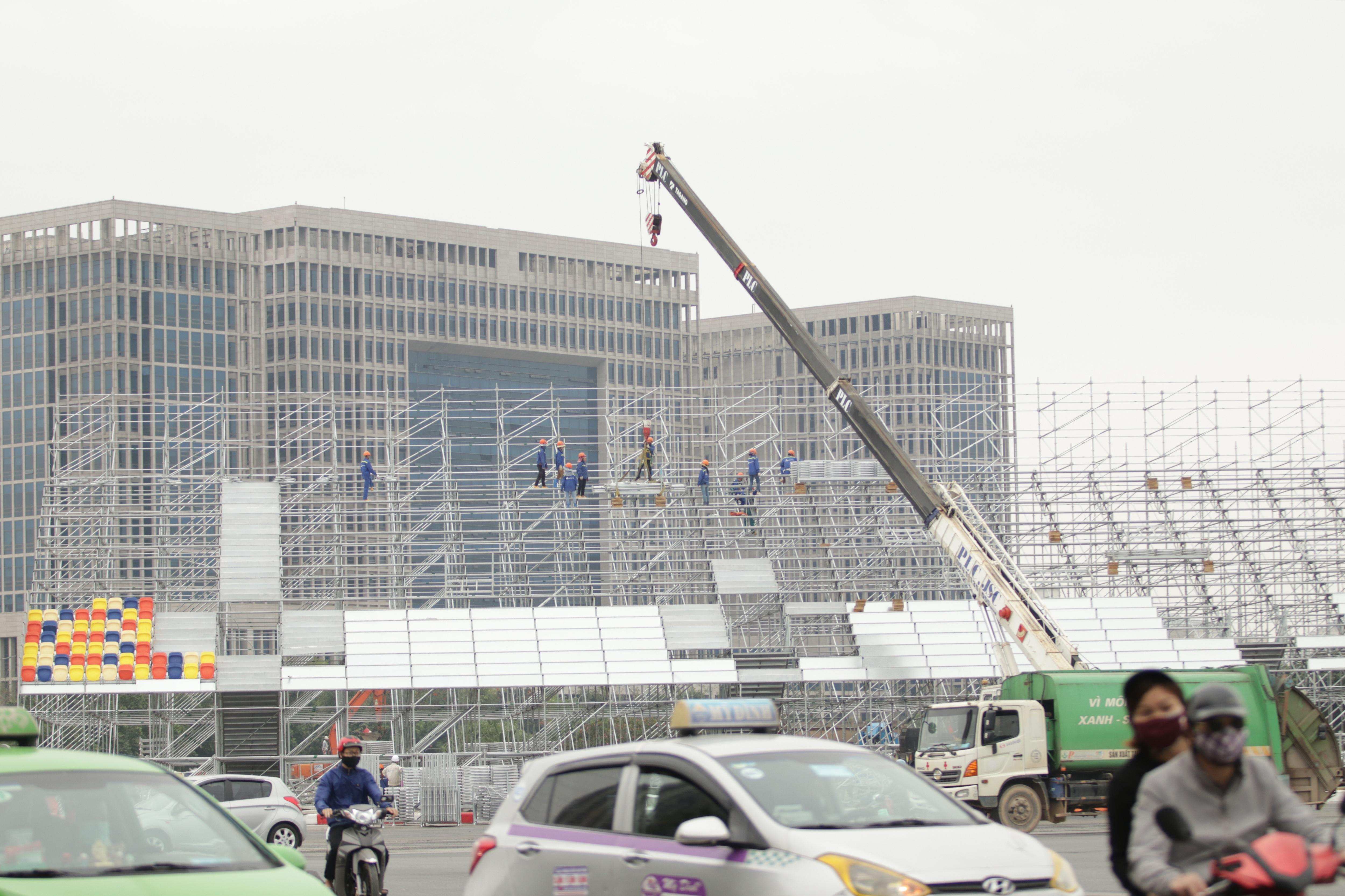 Hà Nội: Ngẩn ngơ nhìn đường đua F1 hoàn thành nhưng bị hoãn - 10