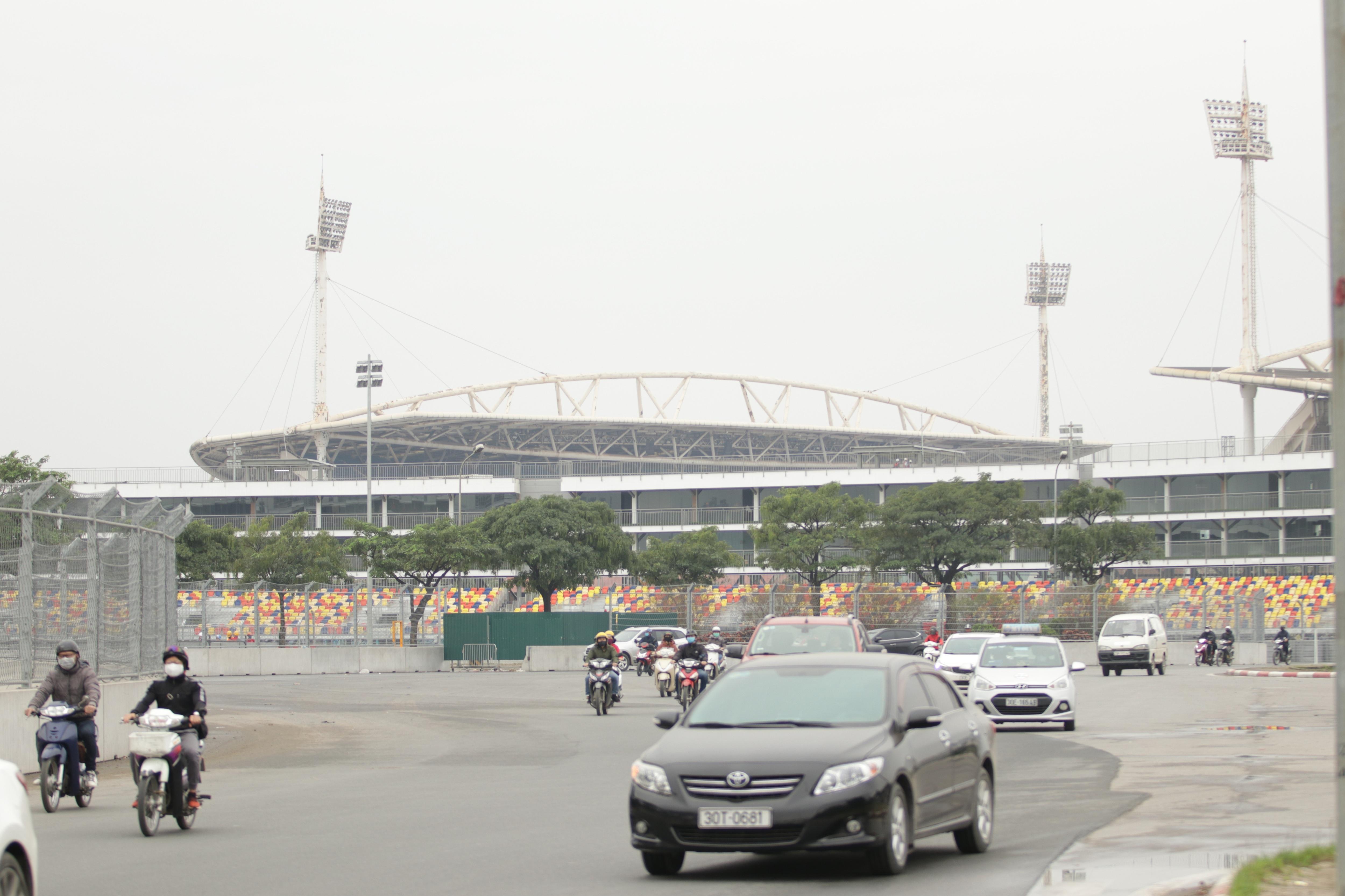 Hà Nội: Ngẩn ngơ nhìn đường đua F1 hoàn thành nhưng bị hoãn - 24