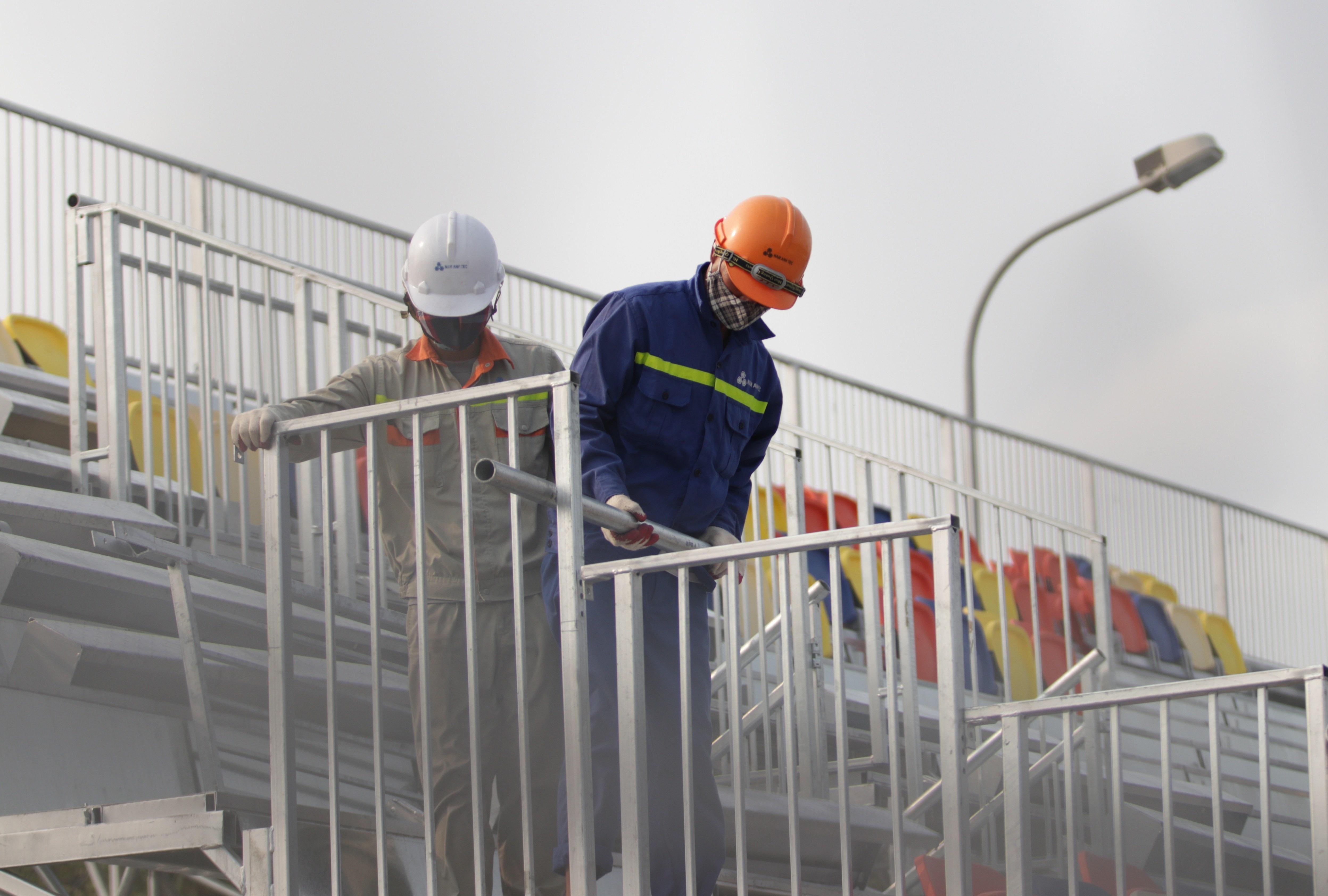 Hà Nội: Tháo dỡ khán đài đường đua F1 vì tạm hoãn đua xe - 13