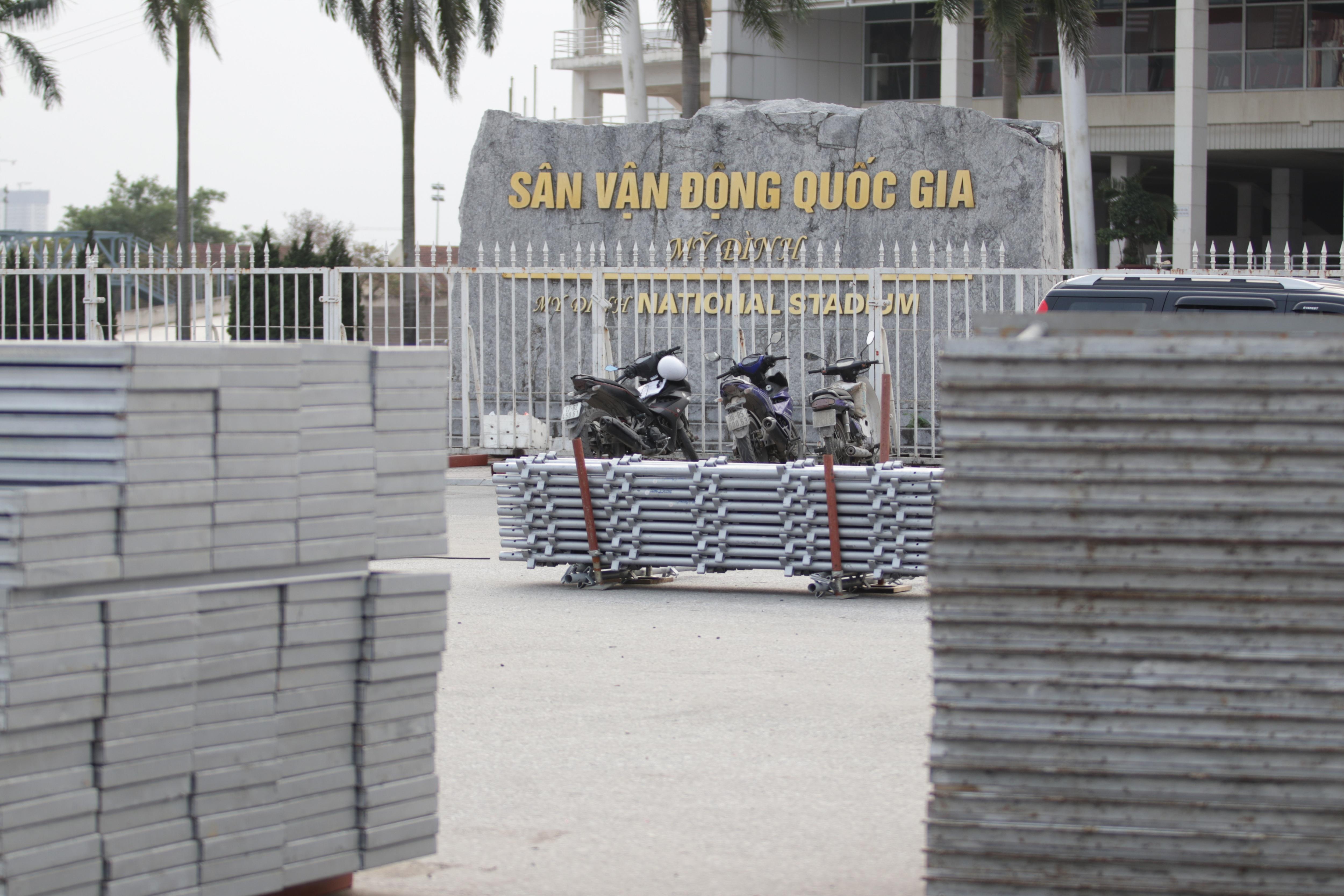 Hà Nội: Tháo dỡ khán đài đường đua F1 vì tạm hoãn đua xe - 19