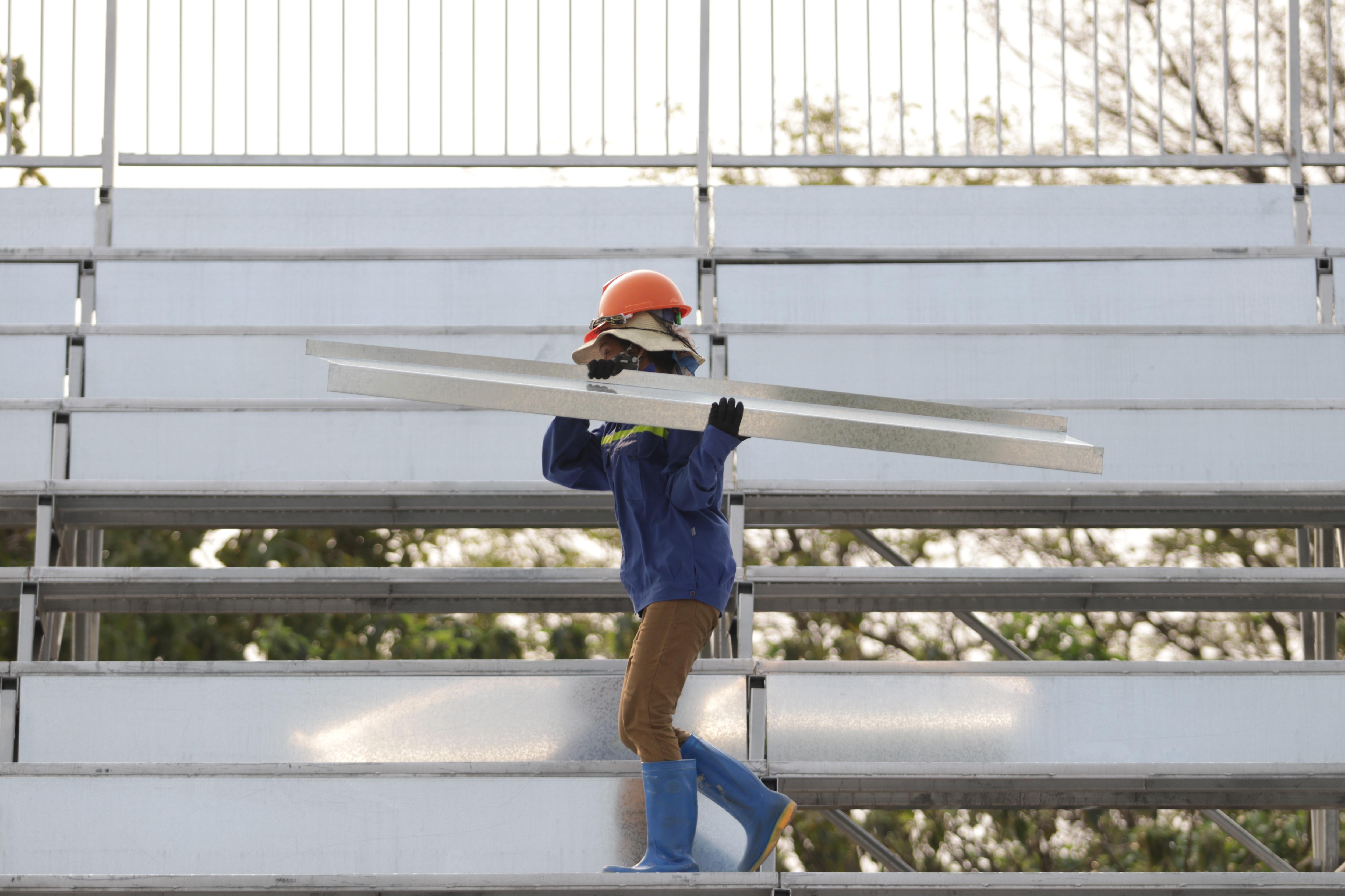 Hà Nội: Tháo dỡ khán đài đường đua F1 vì tạm hoãn đua xe - 11