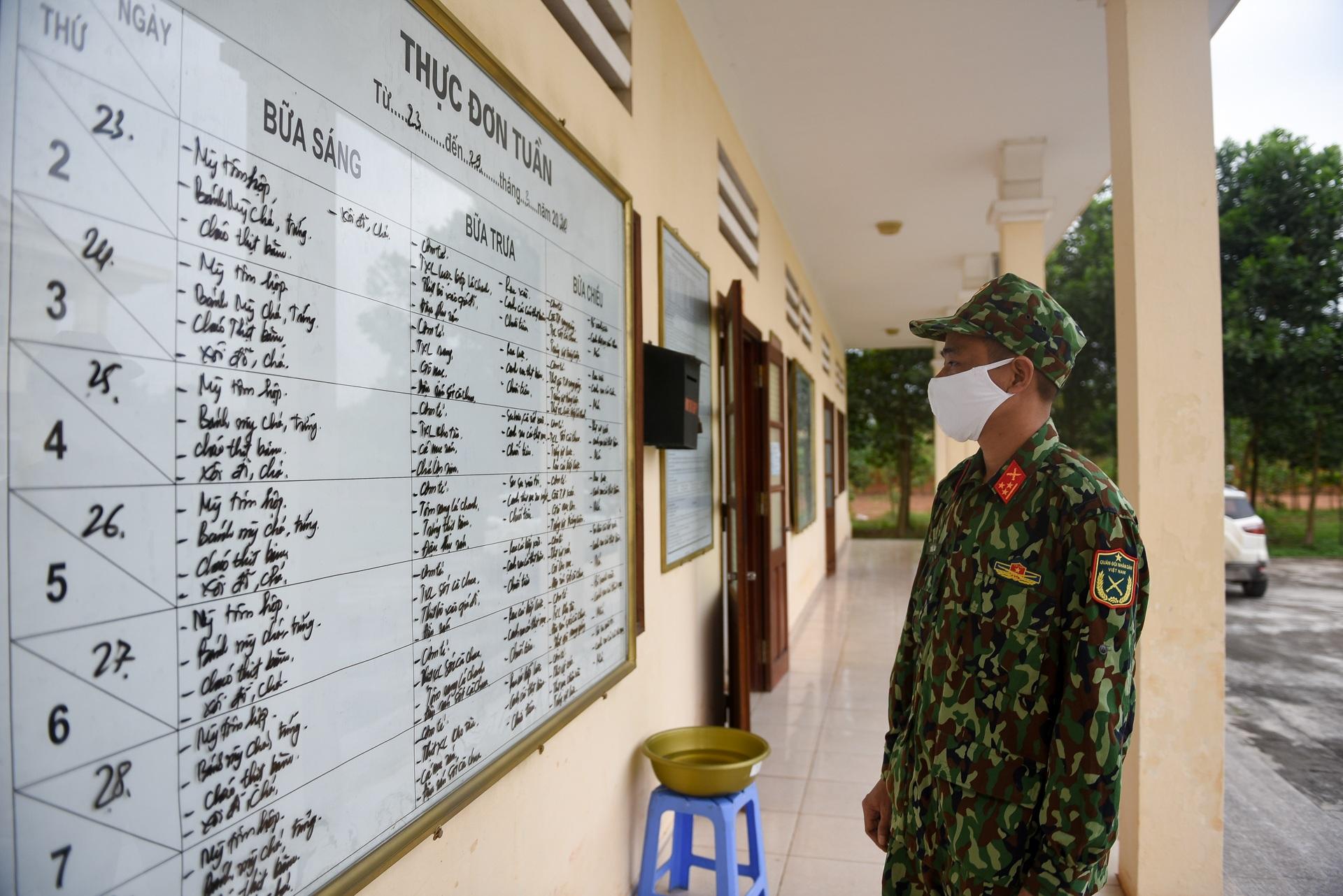 Cơm cách ly của 122 người dân tại doanh trại quân đội - 3