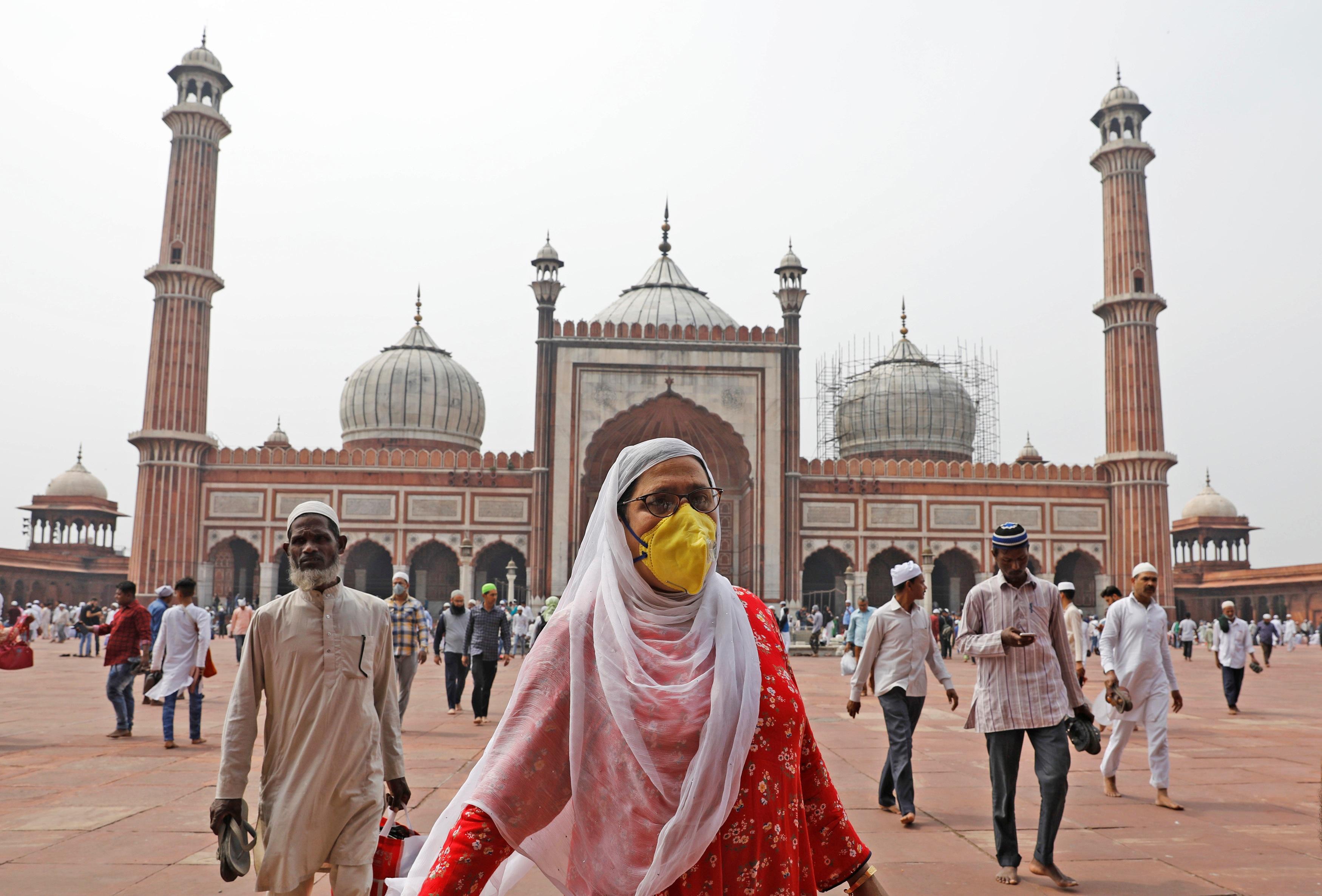 1,3 tỷ dân Ấn Độ bị phong tỏa để chống dịch Covid-19 - 13