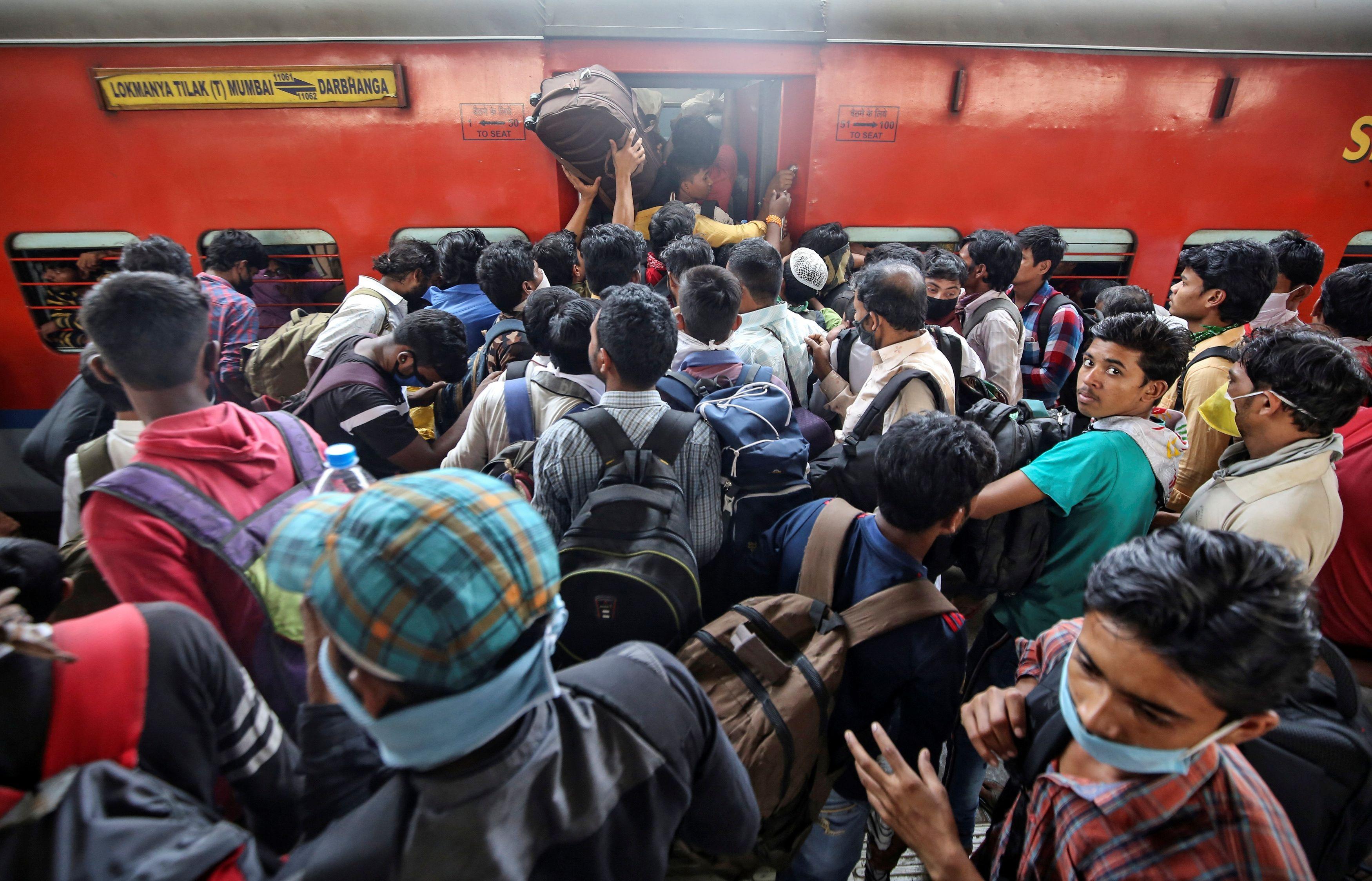 1,3 tỷ dân Ấn Độ bị phong tỏa để chống dịch Covid-19 - 9