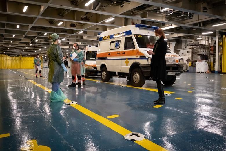 Các nước cấp tập lập bệnh viện dã chiến đối phó đại dịch Covid-19 - 14