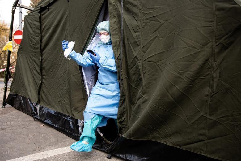 Các nước cấp tập lập bệnh viện dã chiến đối phó đại dịch Covid-19 - 6