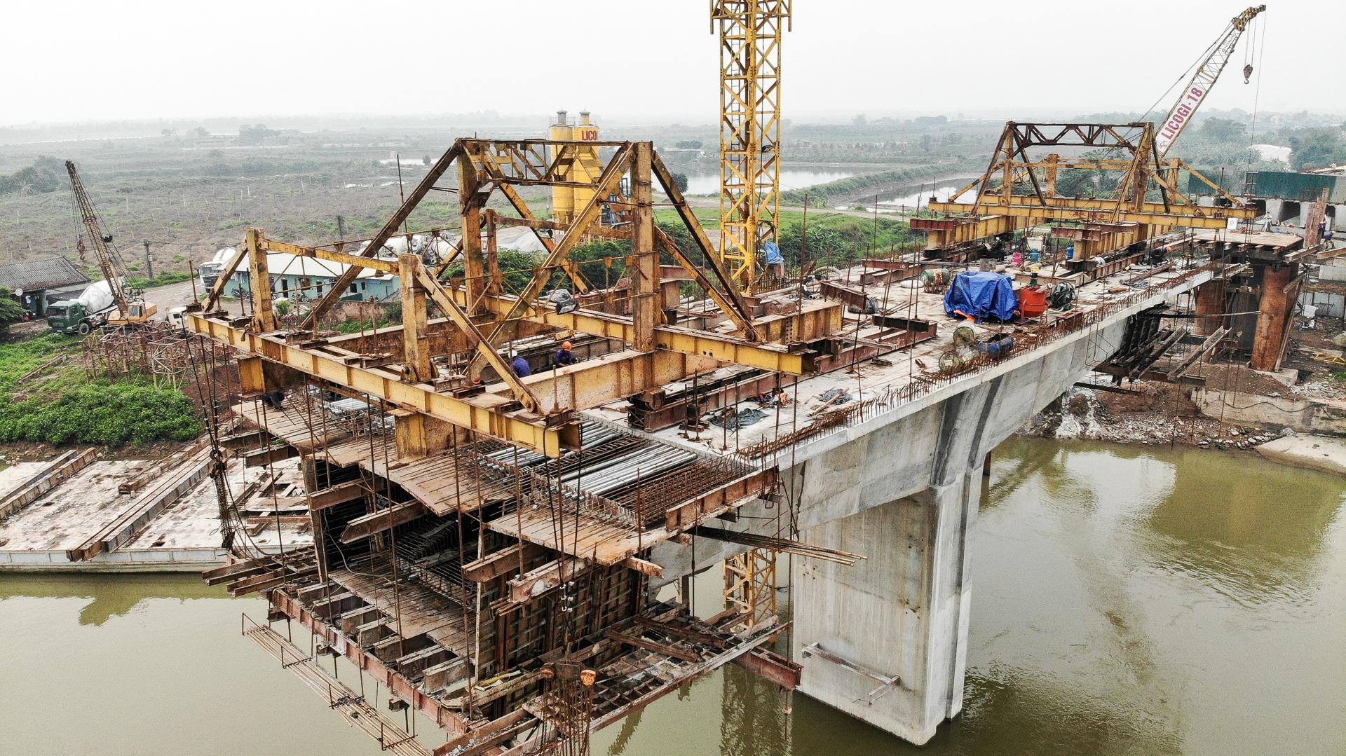 Toàn cảnh cây cầu gần 350 tỷ đồng giúp giải bài toán chen chúc qua phà - 5