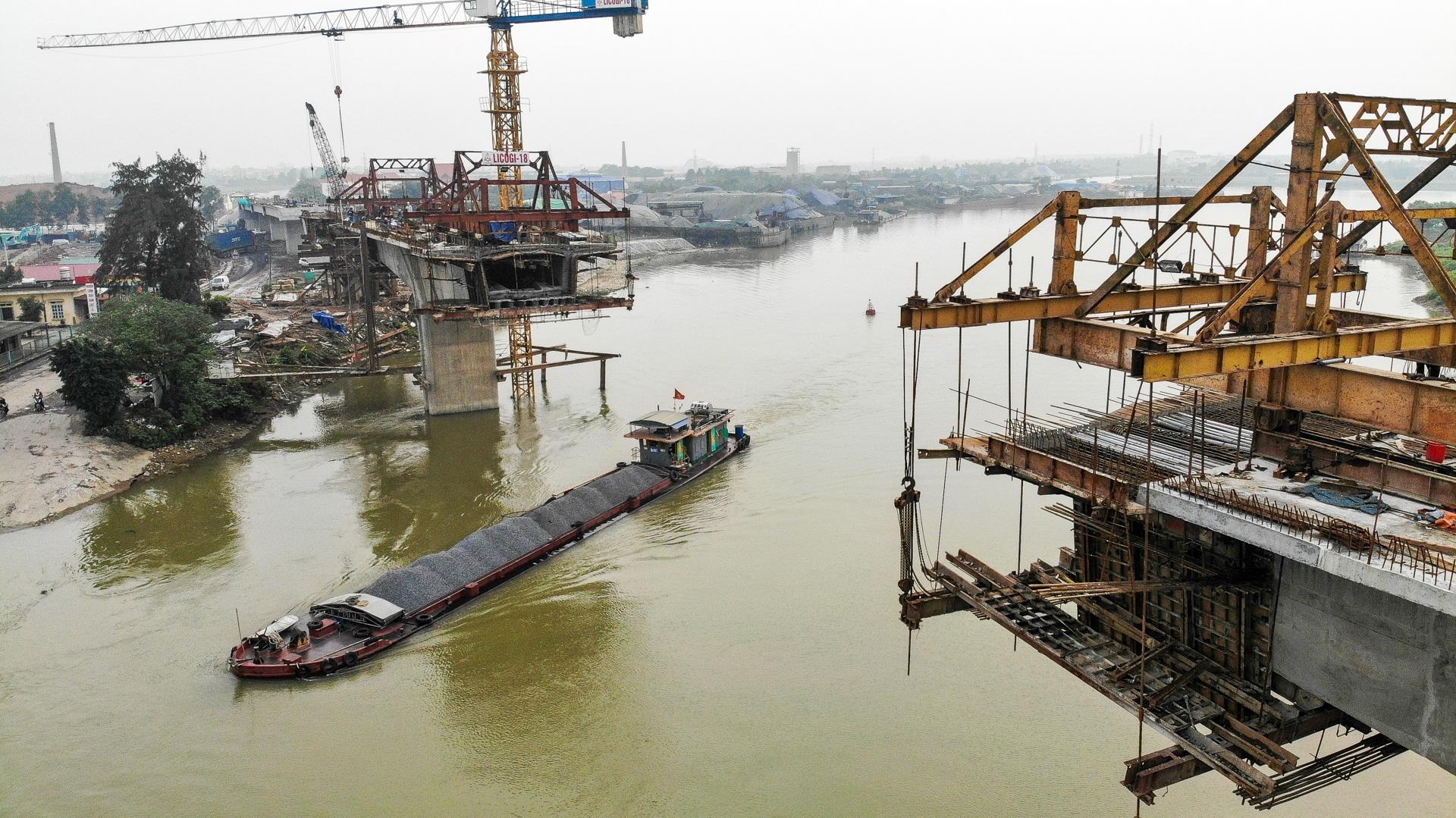 Toàn cảnh cây cầu gần 350 tỷ đồng giúp giải bài toán chen chúc qua phà - 9