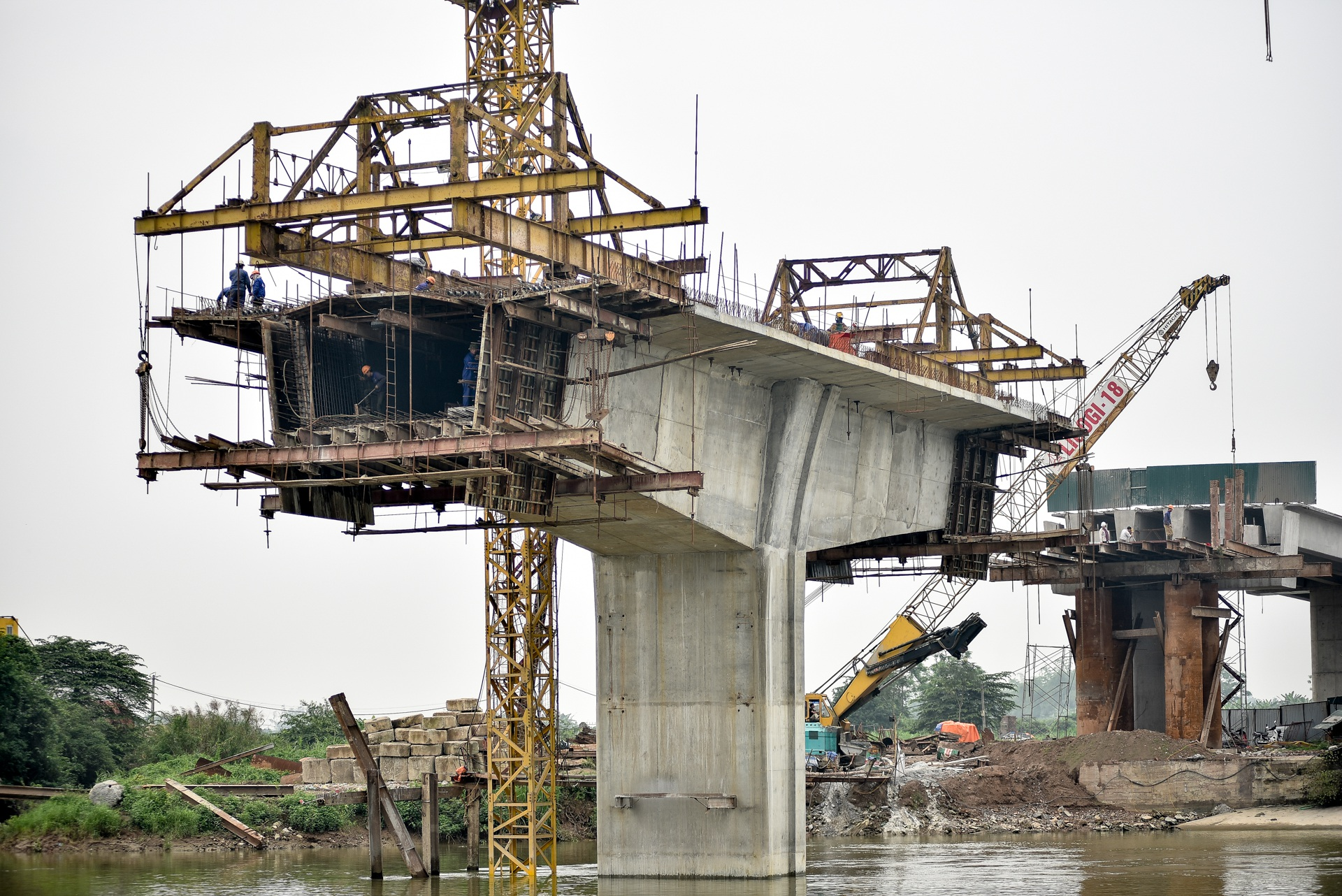 Toàn cảnh cây cầu gần 350 tỷ đồng giúp giải bài toán chen chúc qua phà - 11