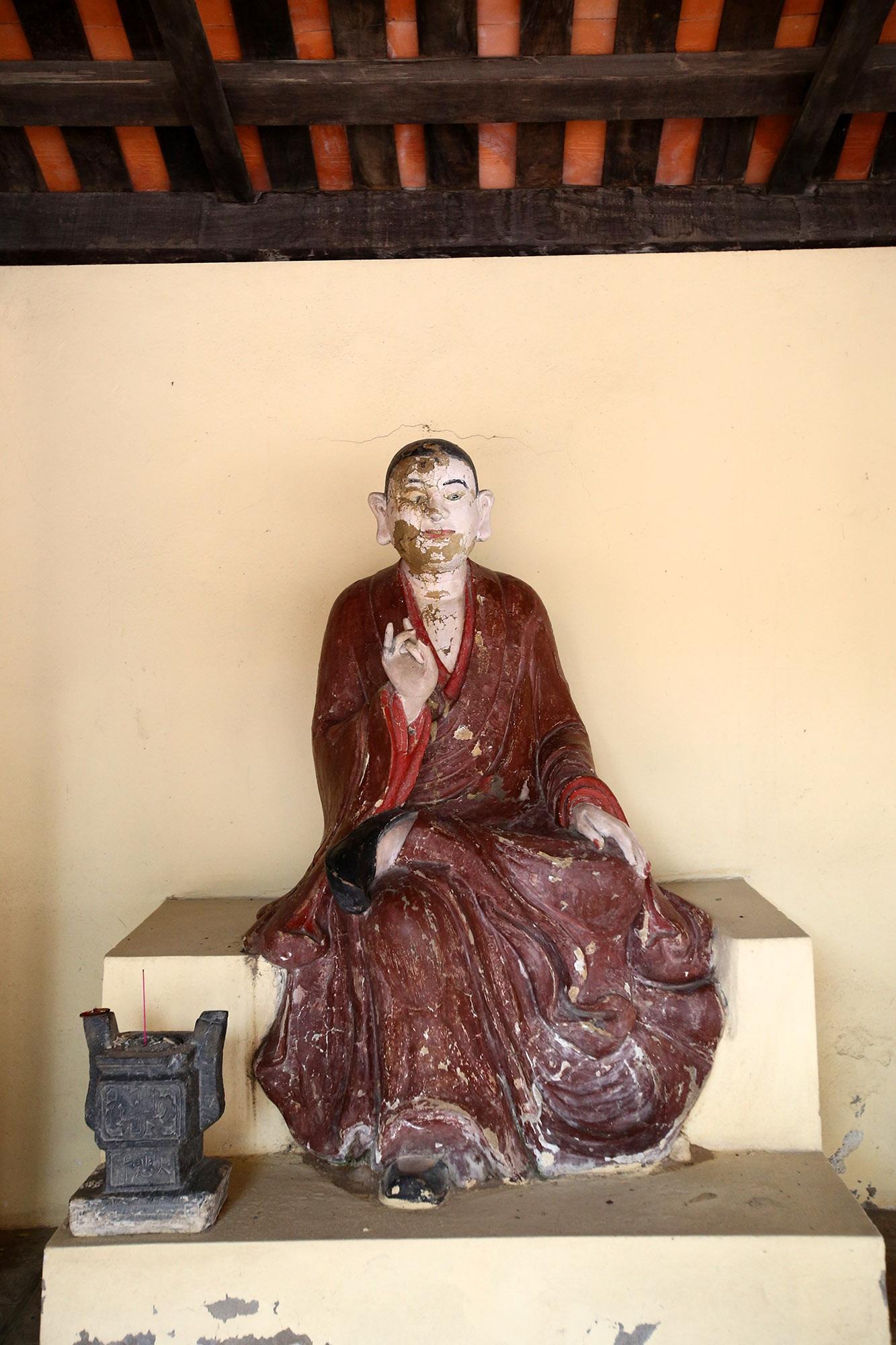 Không gian thanh tịnh tại ngôi chùa gỗ 600 năm tuổi - 13