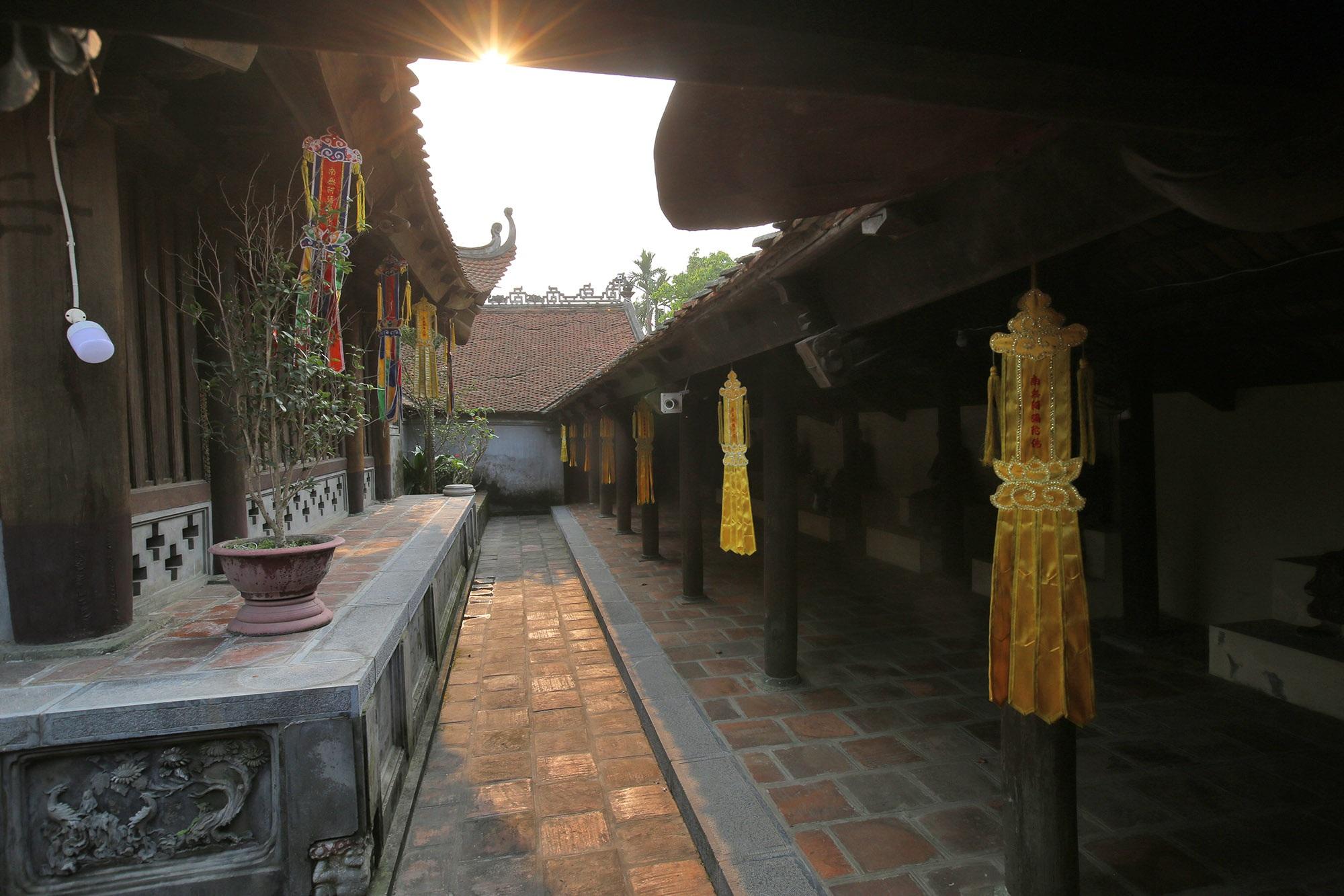Không gian thanh tịnh tại ngôi chùa gỗ 600 năm tuổi - 15