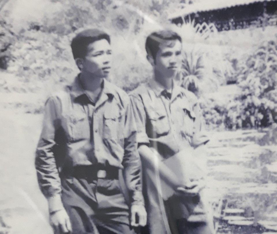 Người lính pháo binh và vành tang trắng trong ngày toàn thắng - 7