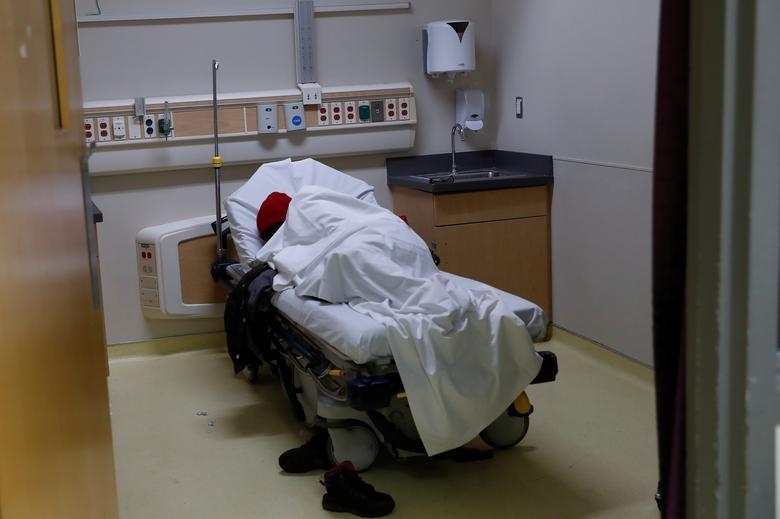 Cuộc chiến với tử thần trong phòng điều trị bệnh nhân Covid-19 tại Mỹ - 11