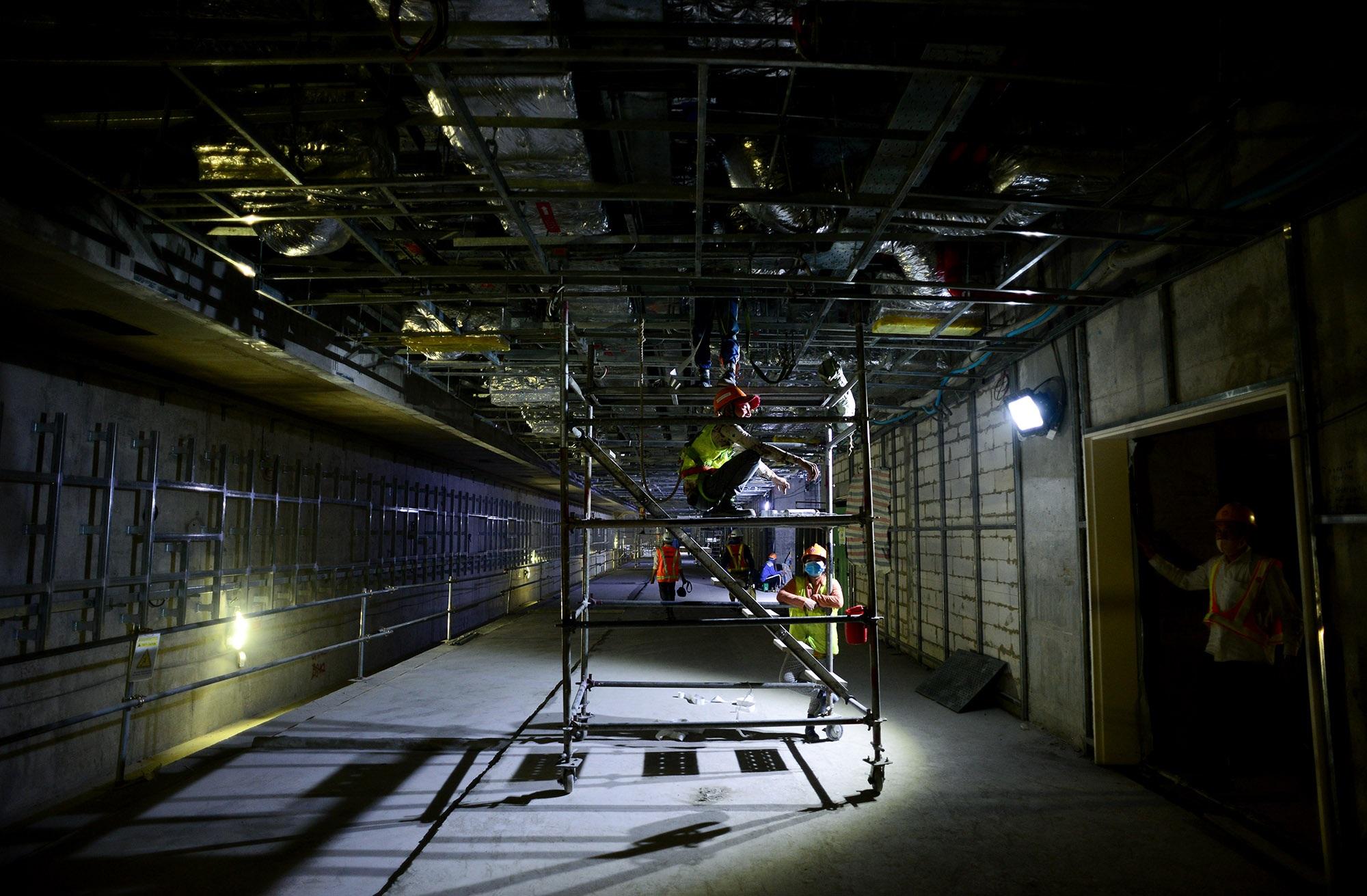 Ngắm toàn cảnh tuyến metro đầu tiên của TPHCM - 15