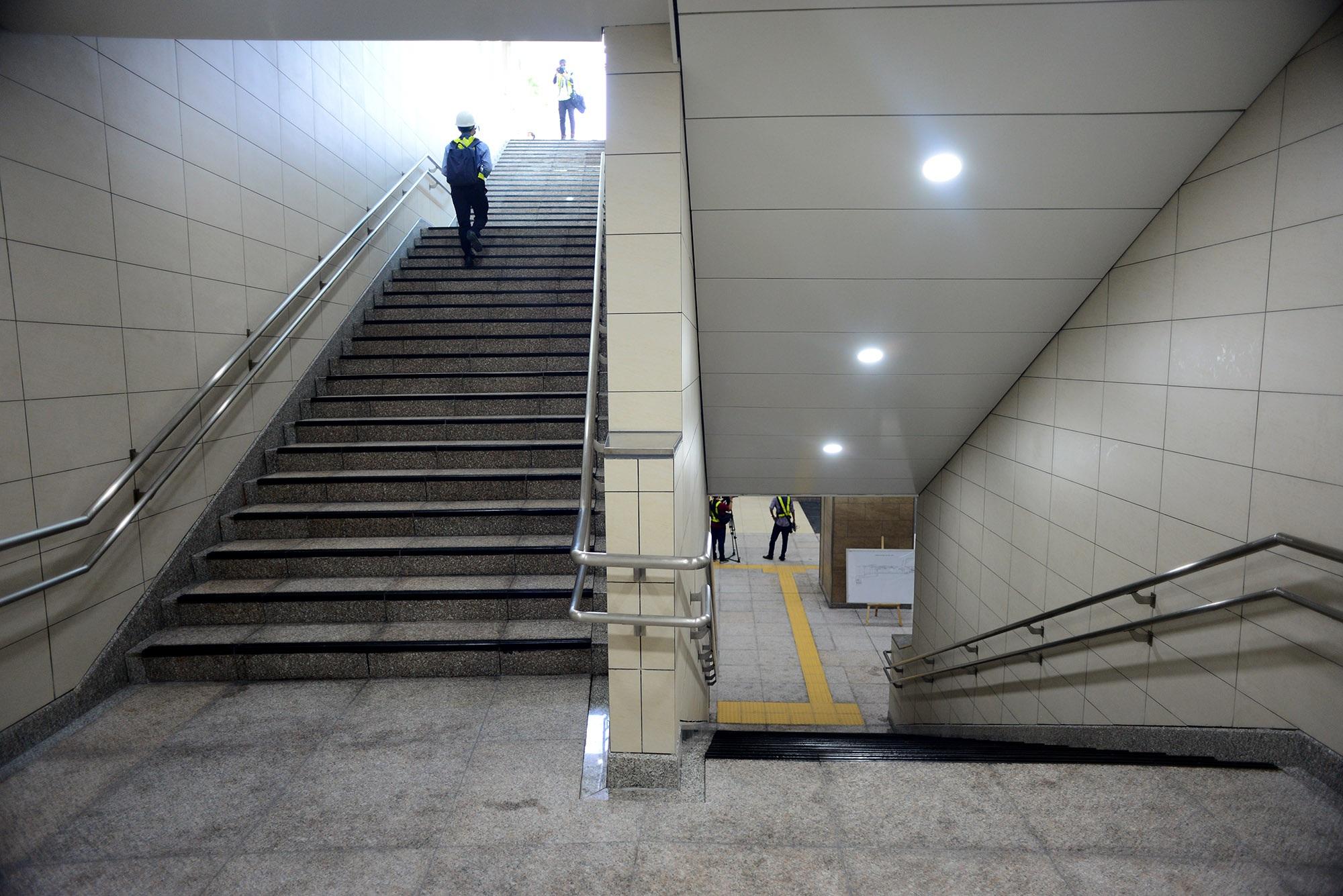 Ngắm toàn cảnh tuyến metro đầu tiên của TPHCM - 4