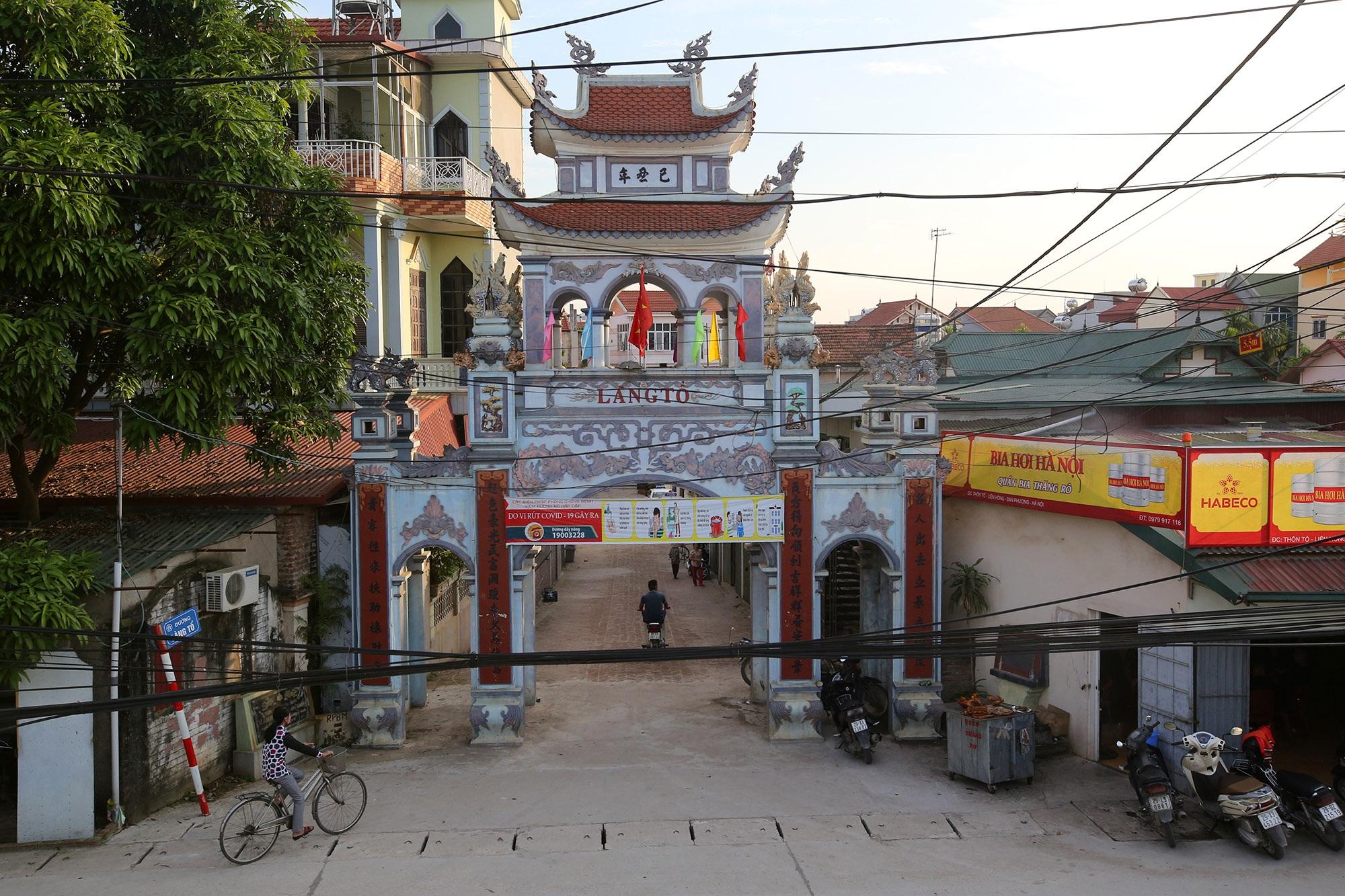 Vùng đất có nhiều cổng làng khủng - 14