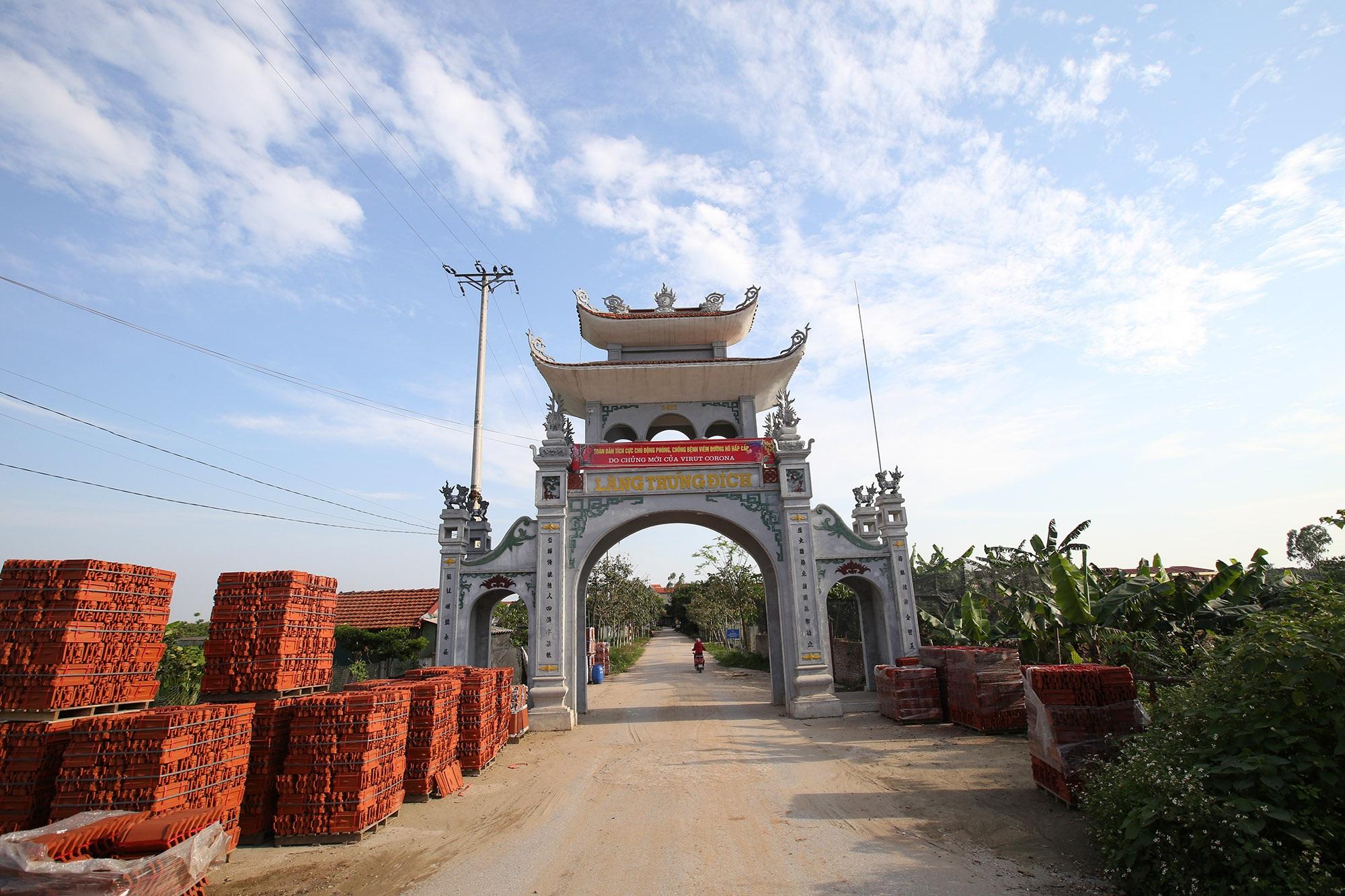 Vùng đất có nhiều cổng làng khủng - 21