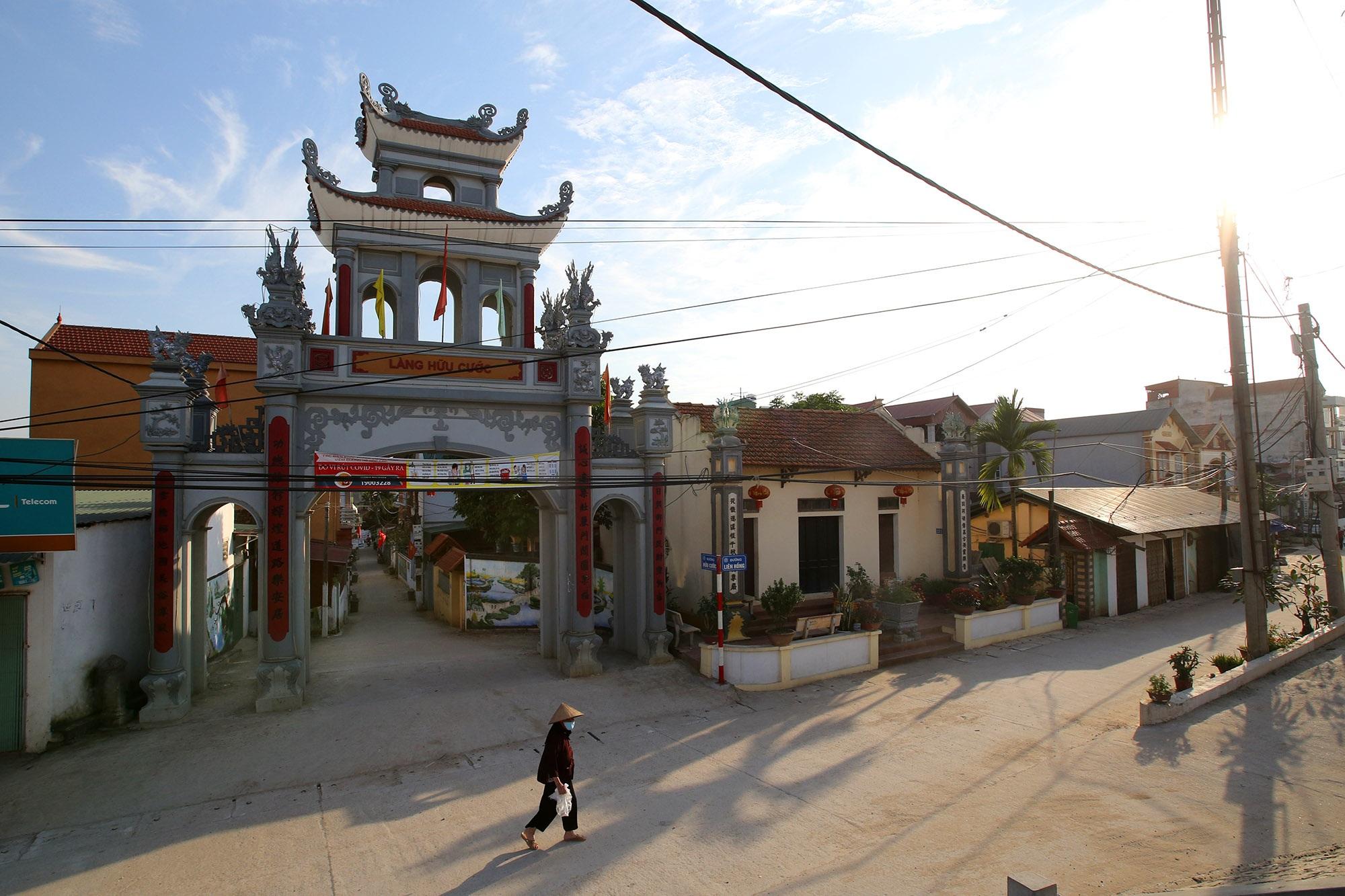 Vùng đất có nhiều cổng làng khủng - 4