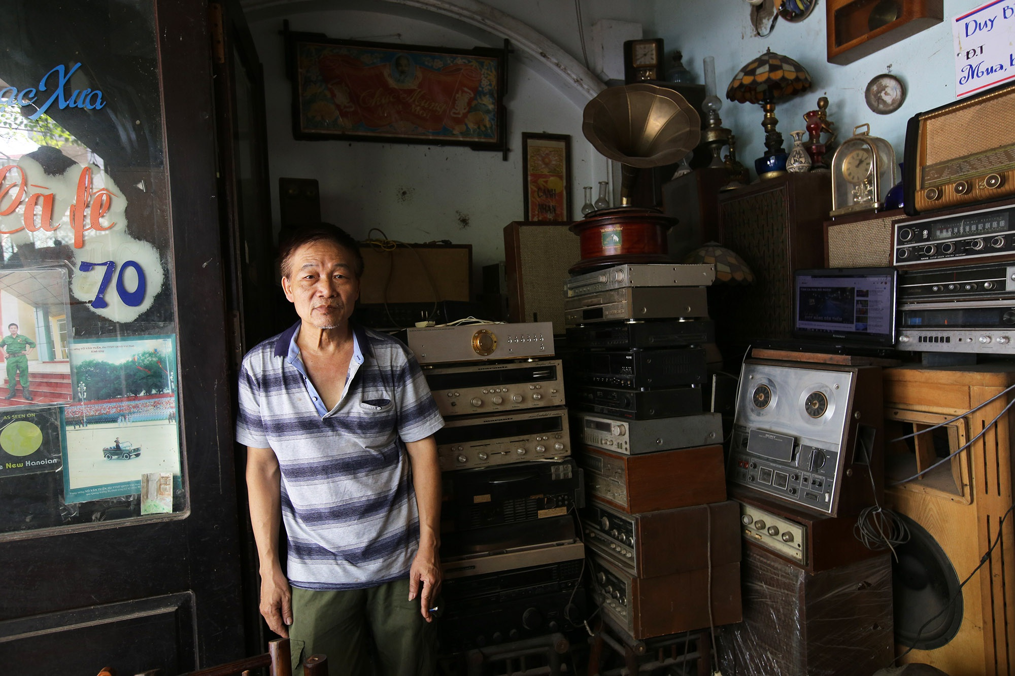 Yêu âm nhạc, sưu tầm thiết bị âm thanh cổ lấp đầy 3 tầng nhà  - 11