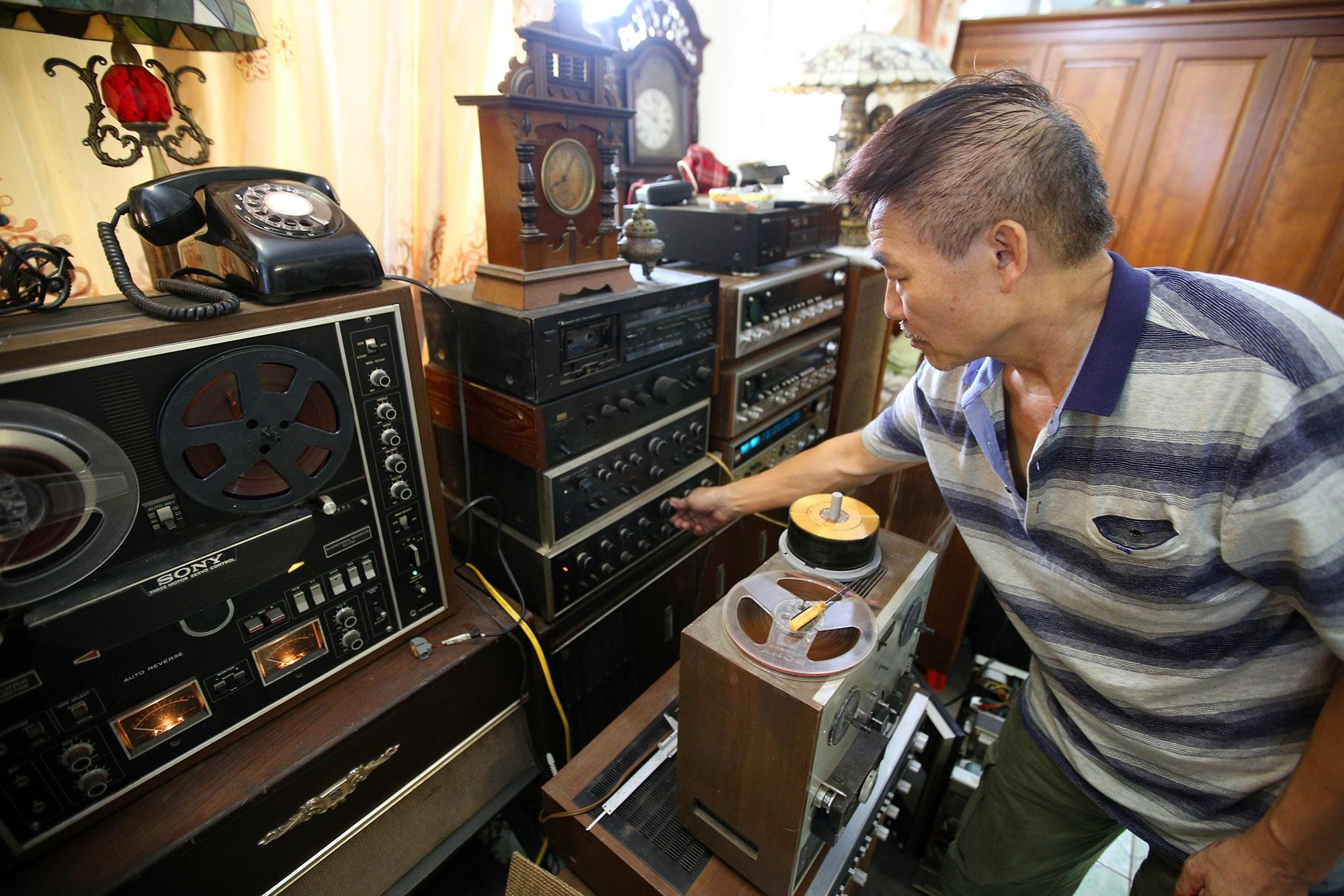 Yêu âm nhạc, sưu tầm thiết bị âm thanh cổ lấp đầy 3 tầng nhà  - 2