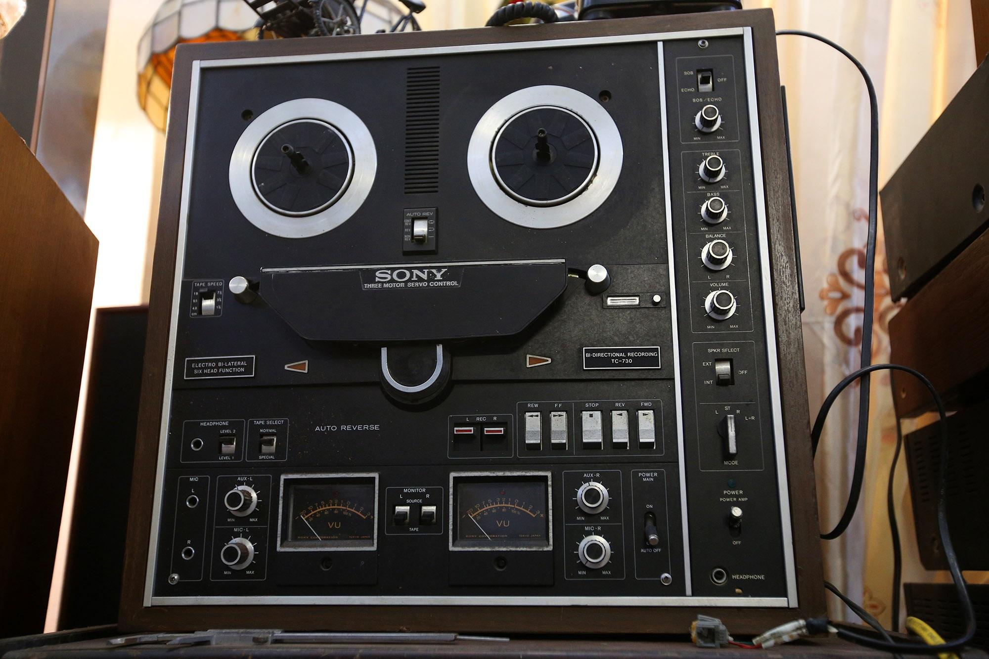Yêu âm nhạc, sưu tầm thiết bị âm thanh cổ lấp đầy 3 tầng nhà  - 8