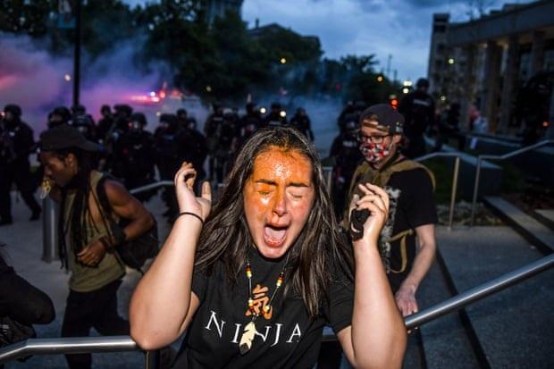 Nước Mỹ sôi sục vì biểu tình