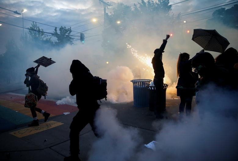 Một tuần chìm trong làn sóng biểu tình tại Mỹ - 10