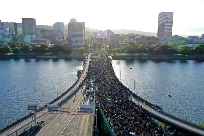Một tuần chìm trong làn sóng biểu tình tại Mỹ - 18