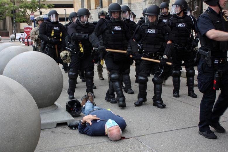 Một tuần chìm trong làn sóng biểu tình tại Mỹ - 19