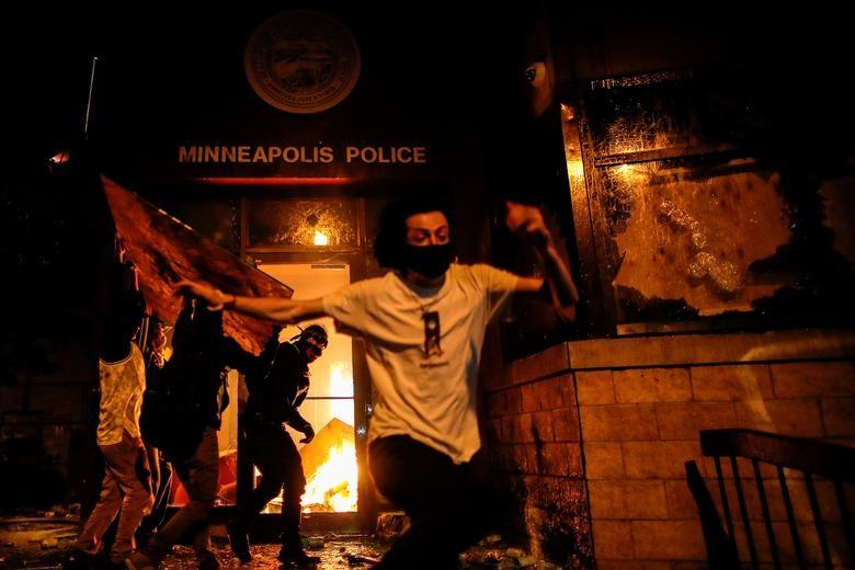 Một tuần chìm trong làn sóng biểu tình tại Mỹ - 2